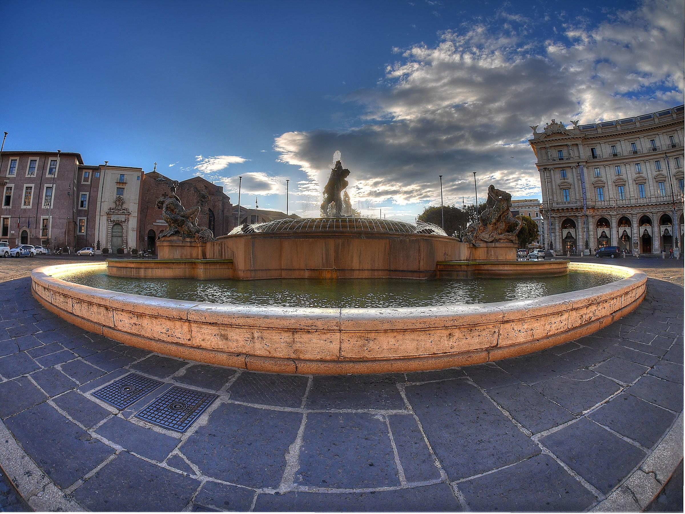 Piazza della Repubblica in controluce...
