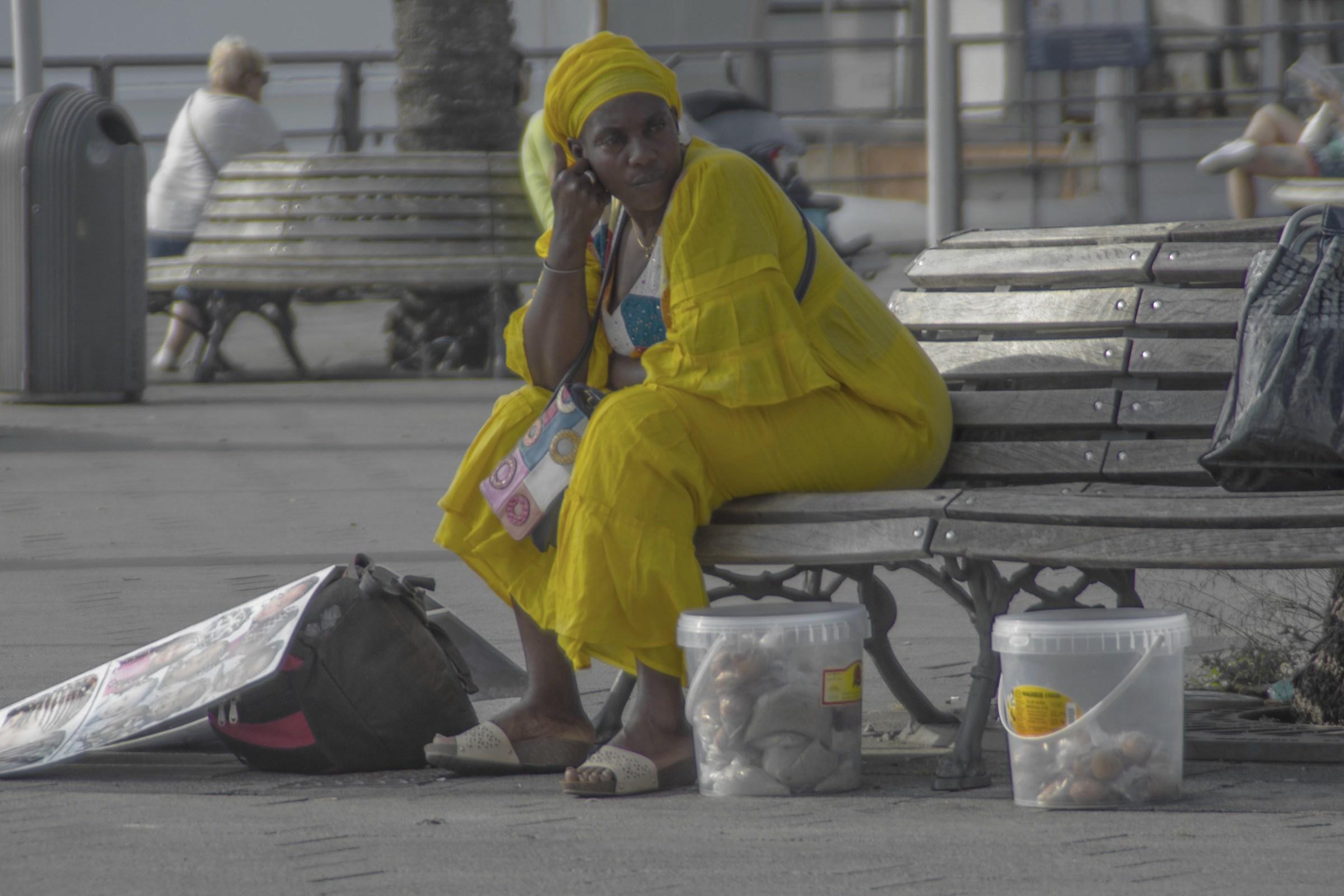 Signora in giallo...