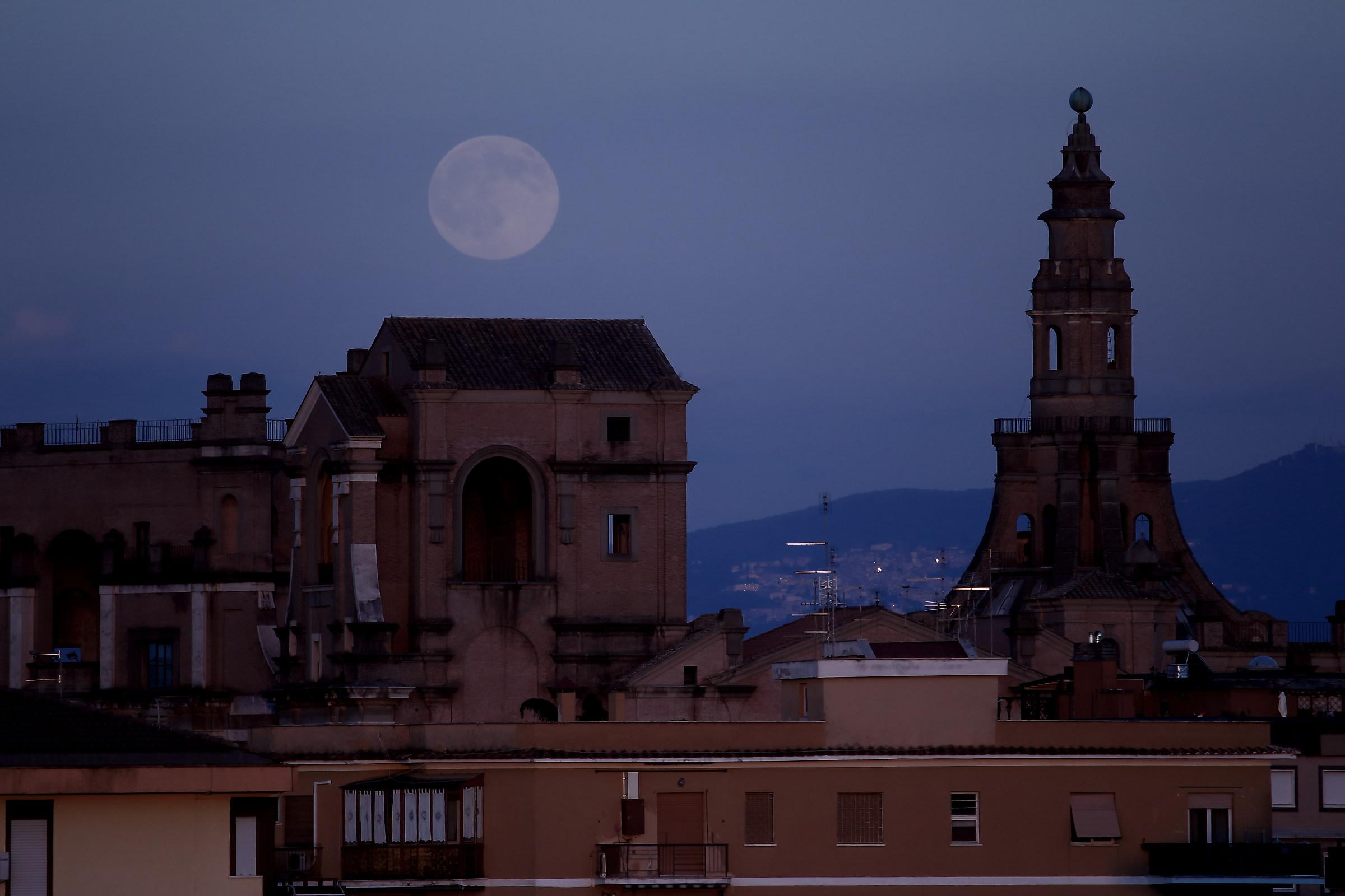 Moon on my night school...
