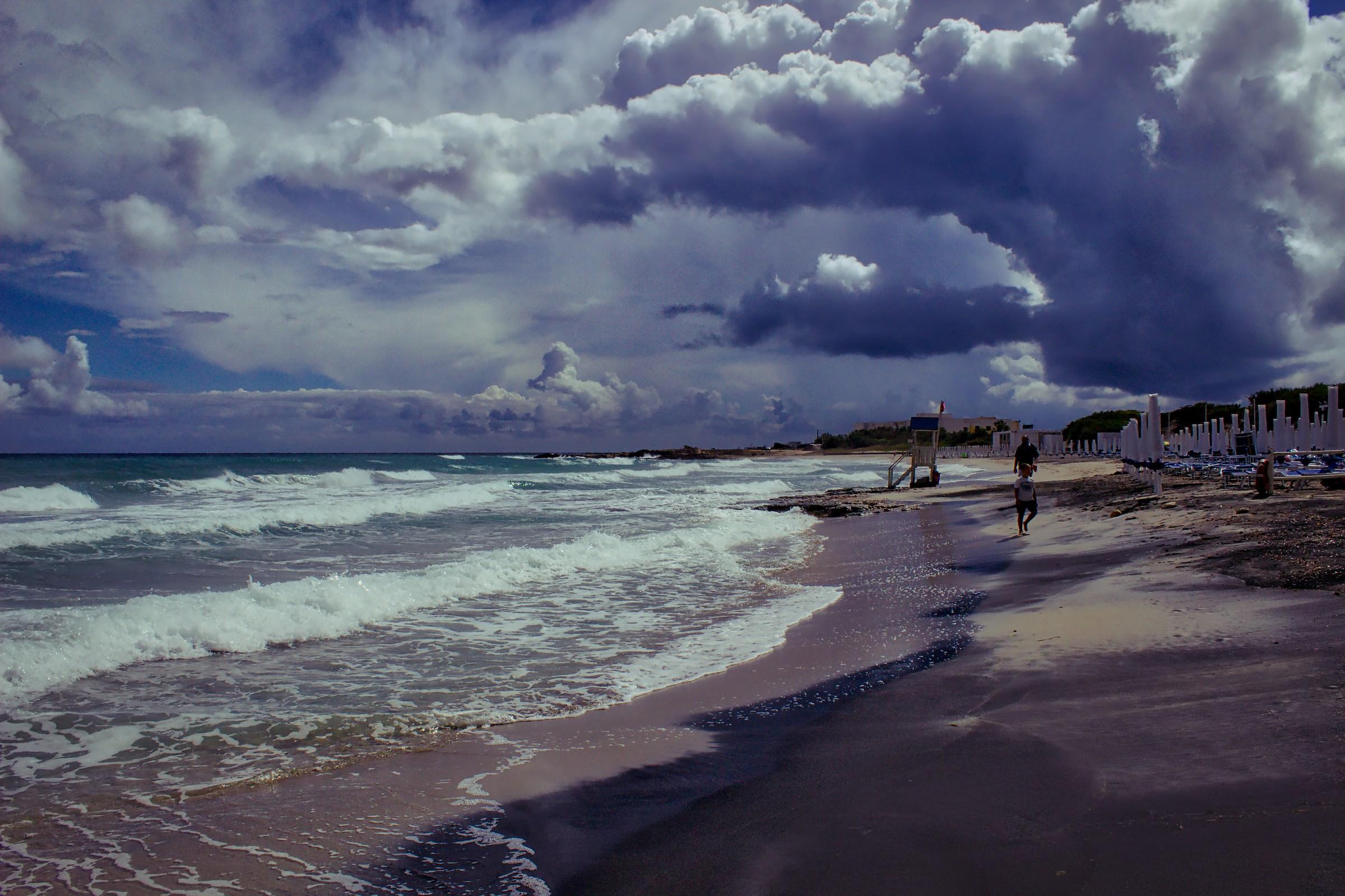 San Foca (Onde d'acqua e tsunami di nuvole)...