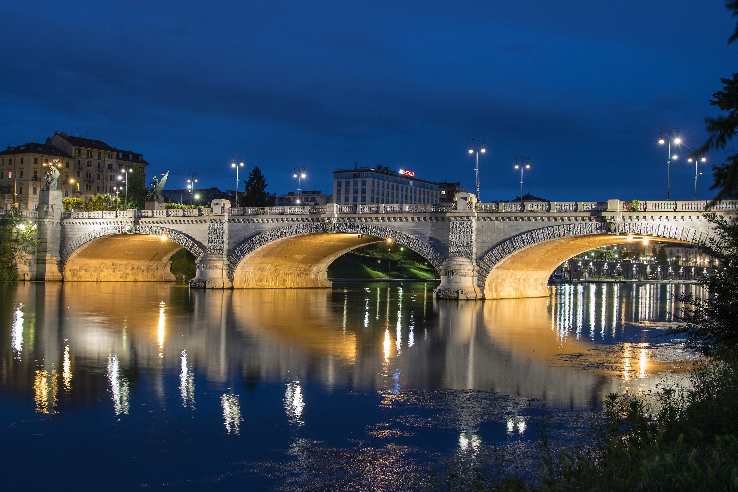 Torino ora blu...
