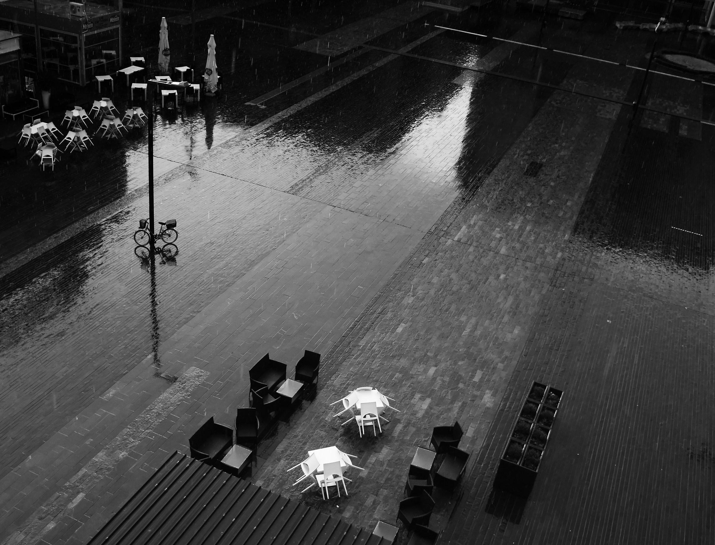 It rains on the fairy tale...