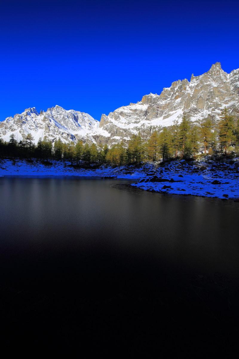 Black lake in val Buscagna...