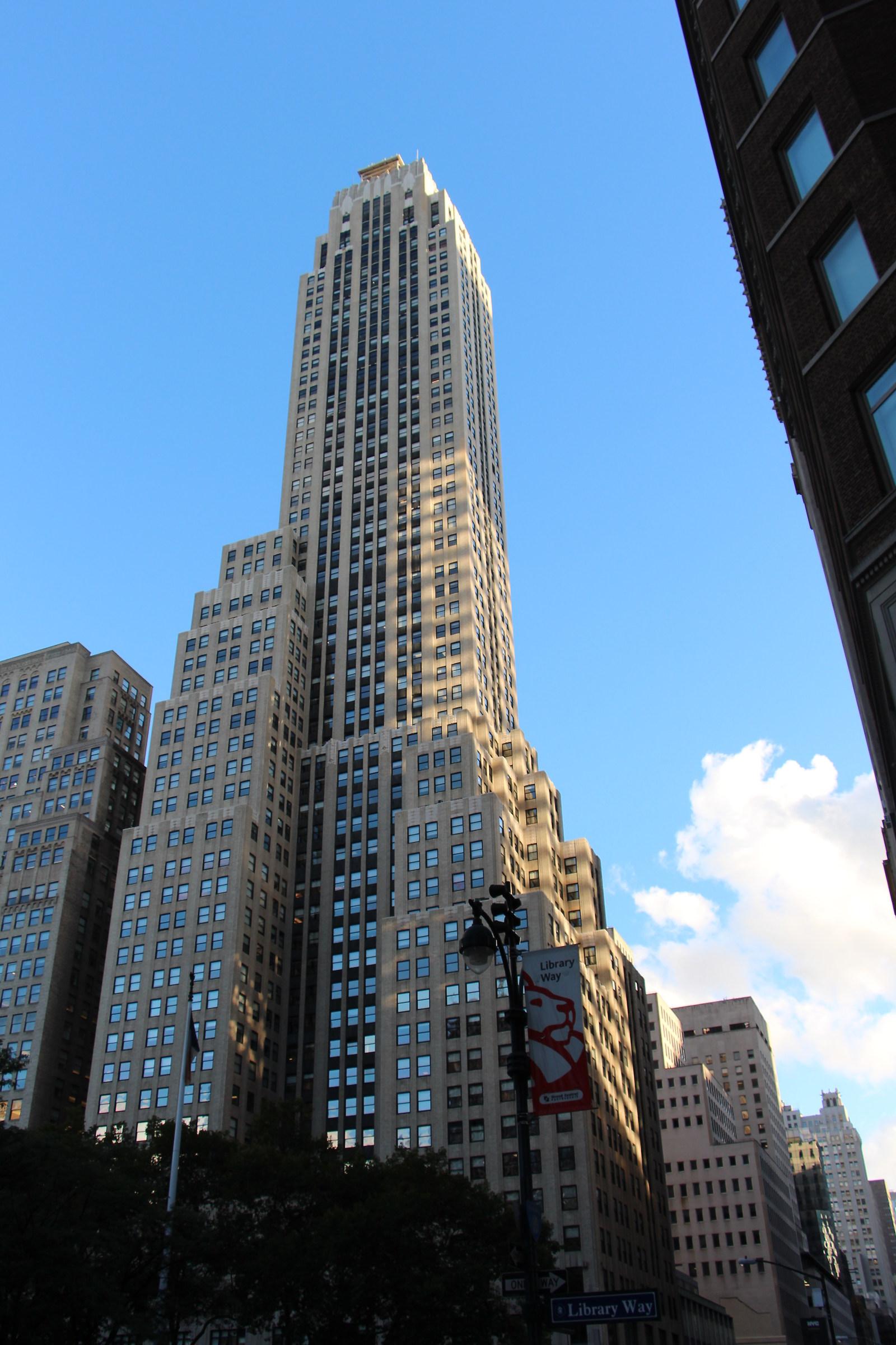 New York Vecchi grattacieli tra luce e ombra...