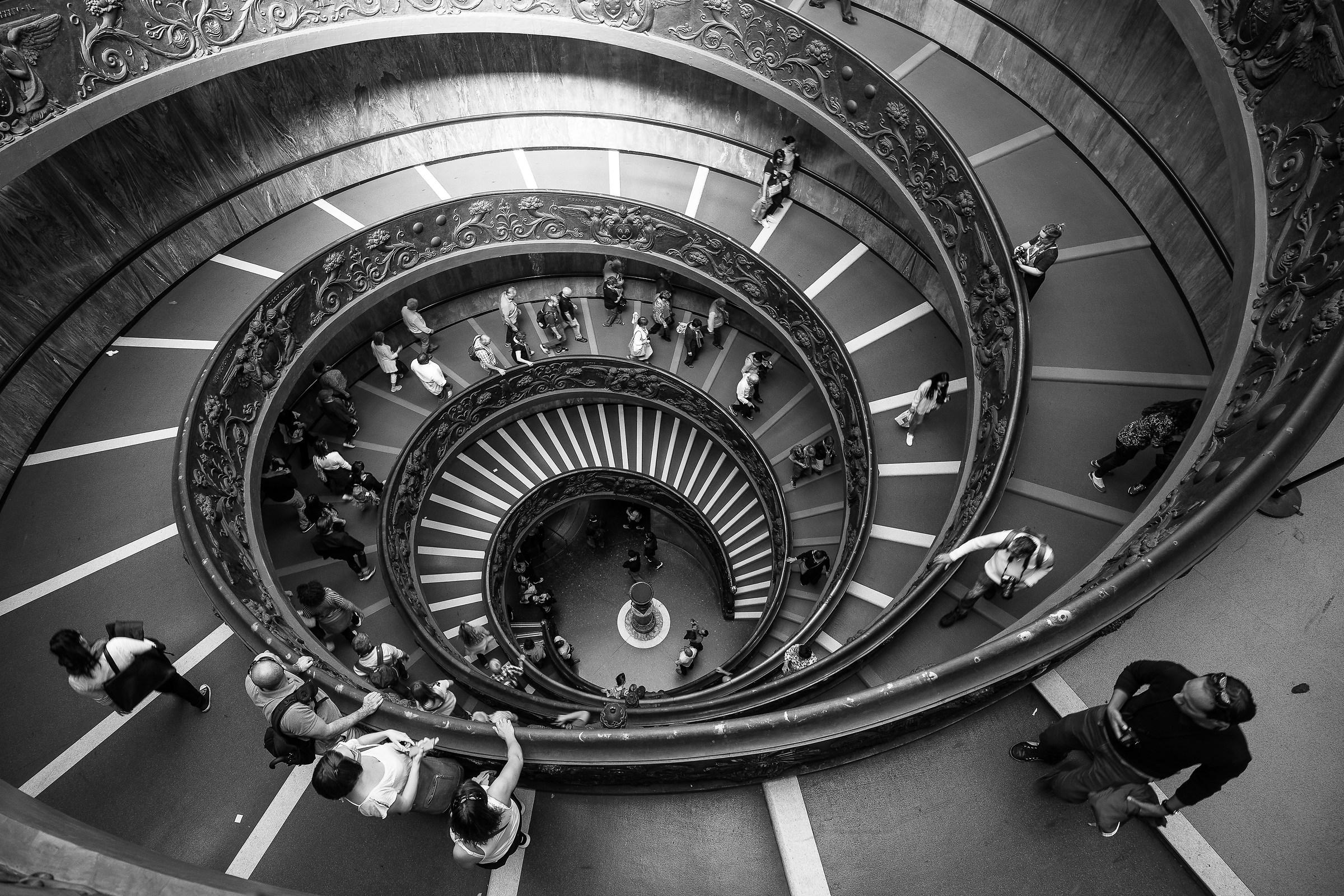 Scala Dei Musei Vaticani dall'alto....