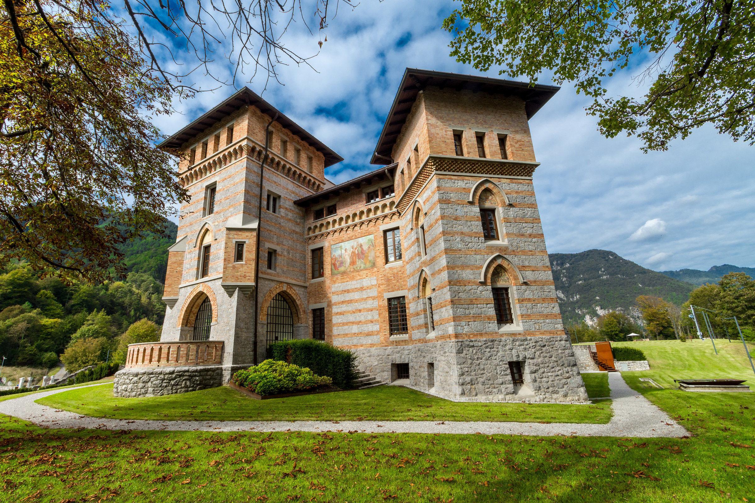 Castle Cecconi...