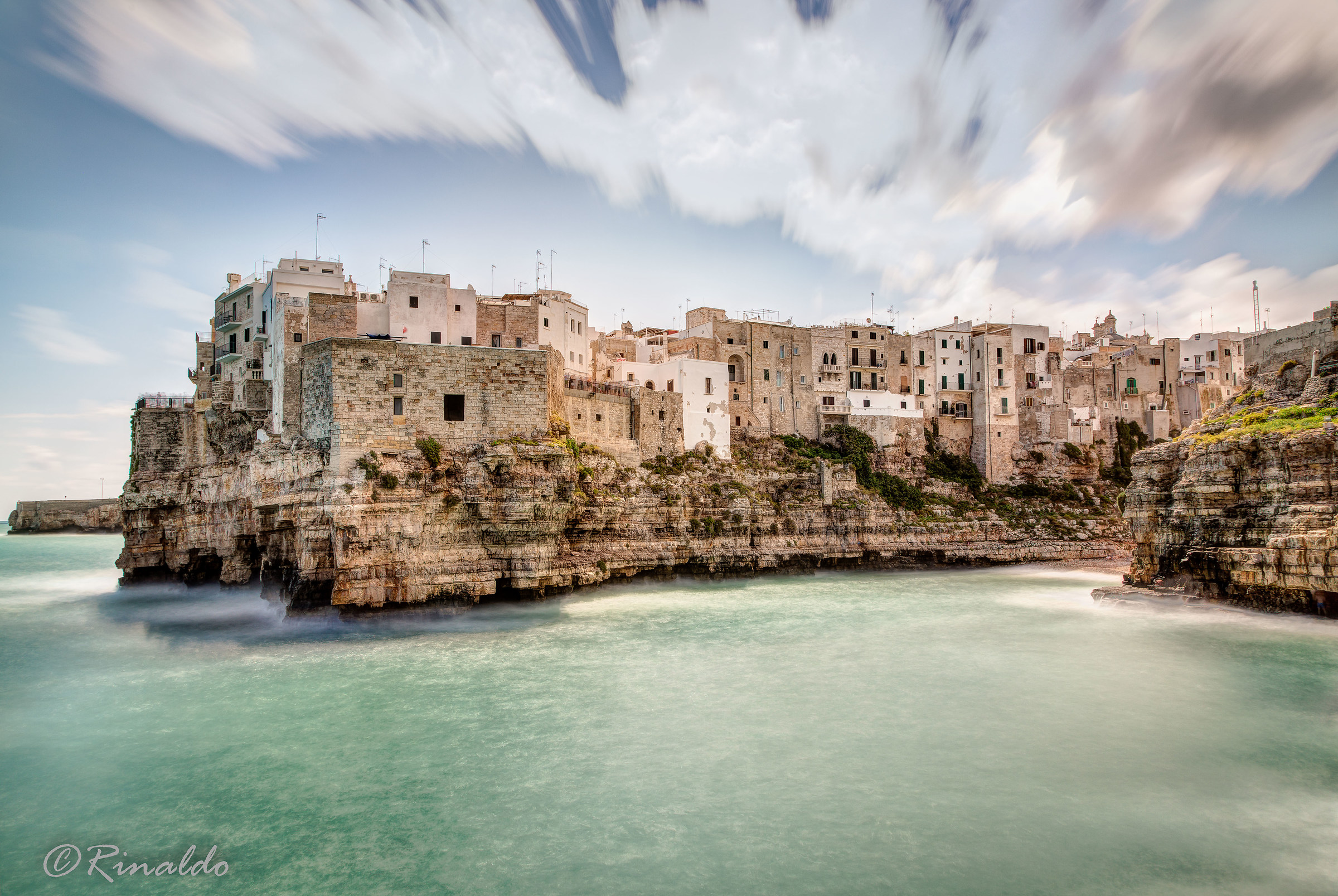 The Mistral, the wind friend of Polignano a Mare...