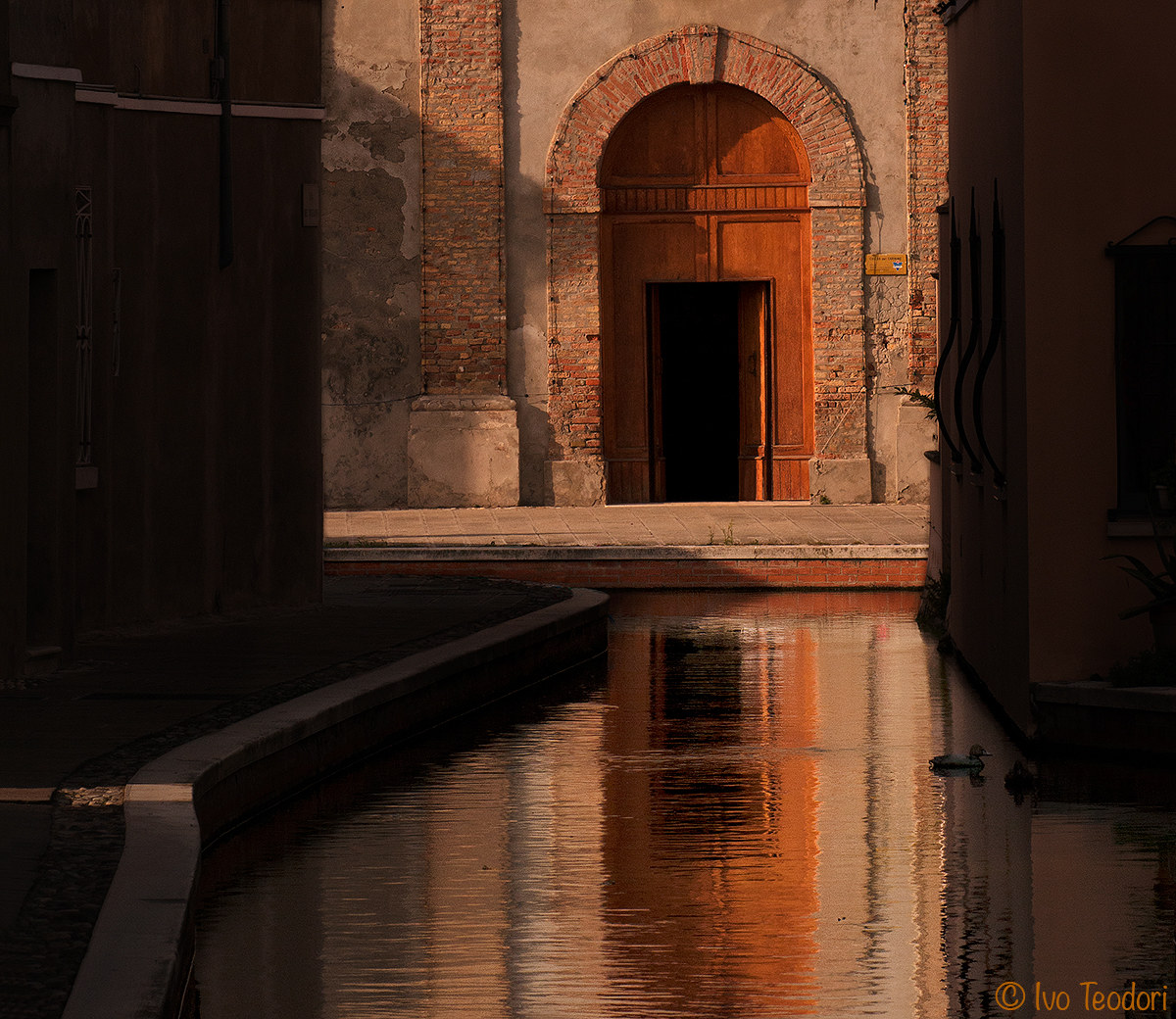 Comacchio: Between light and shadow....