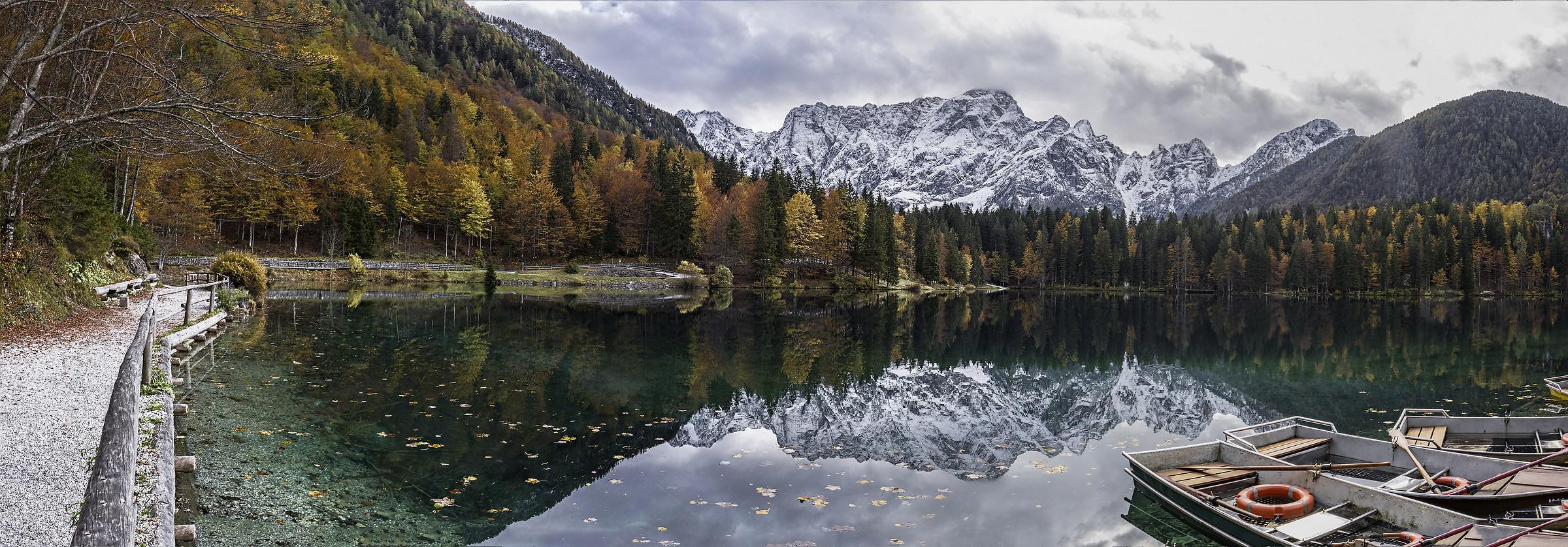 Lower lake of Fusine (ud)...