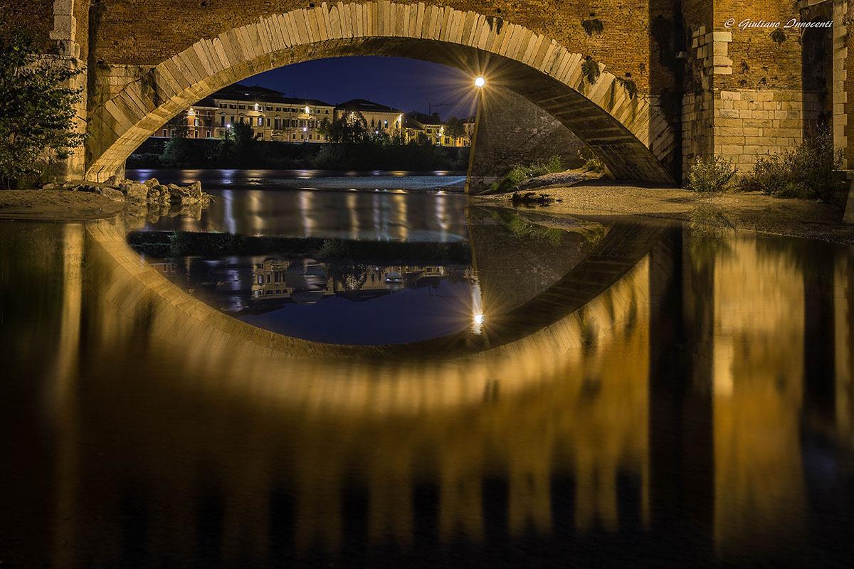 The eye of the Scaligero Bridge...