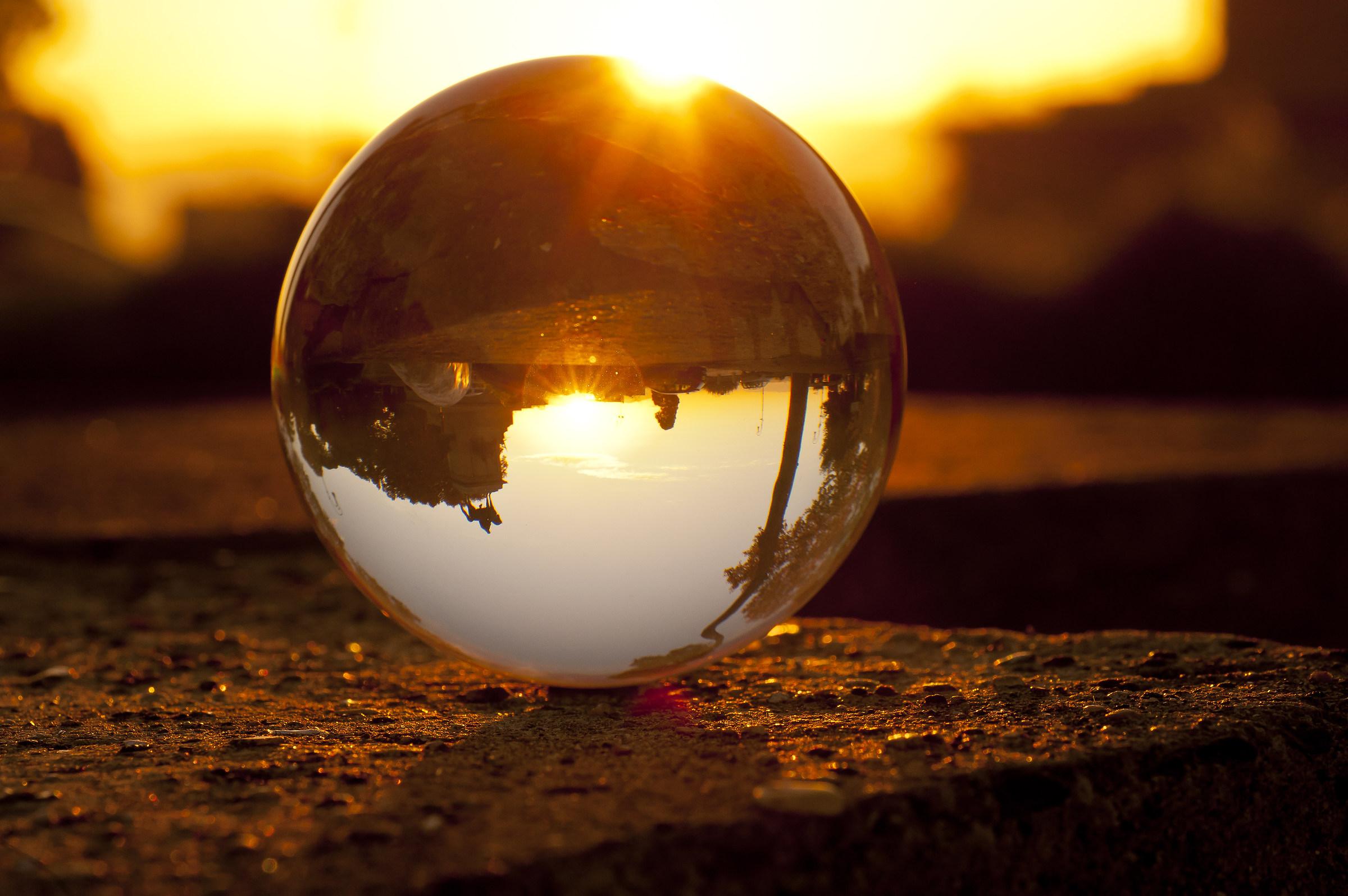 l'alba in una sfera...