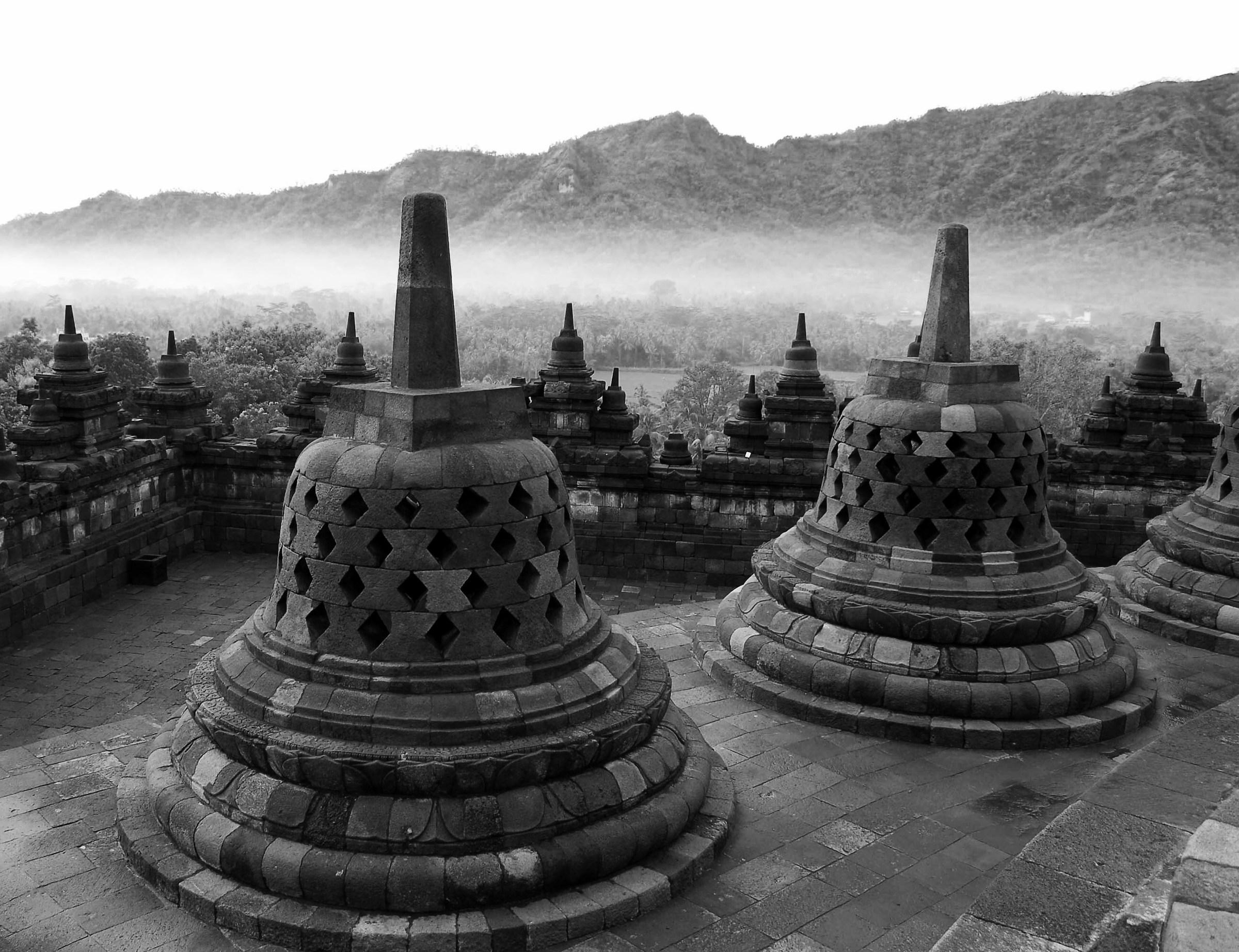 Borobudur (Java)...