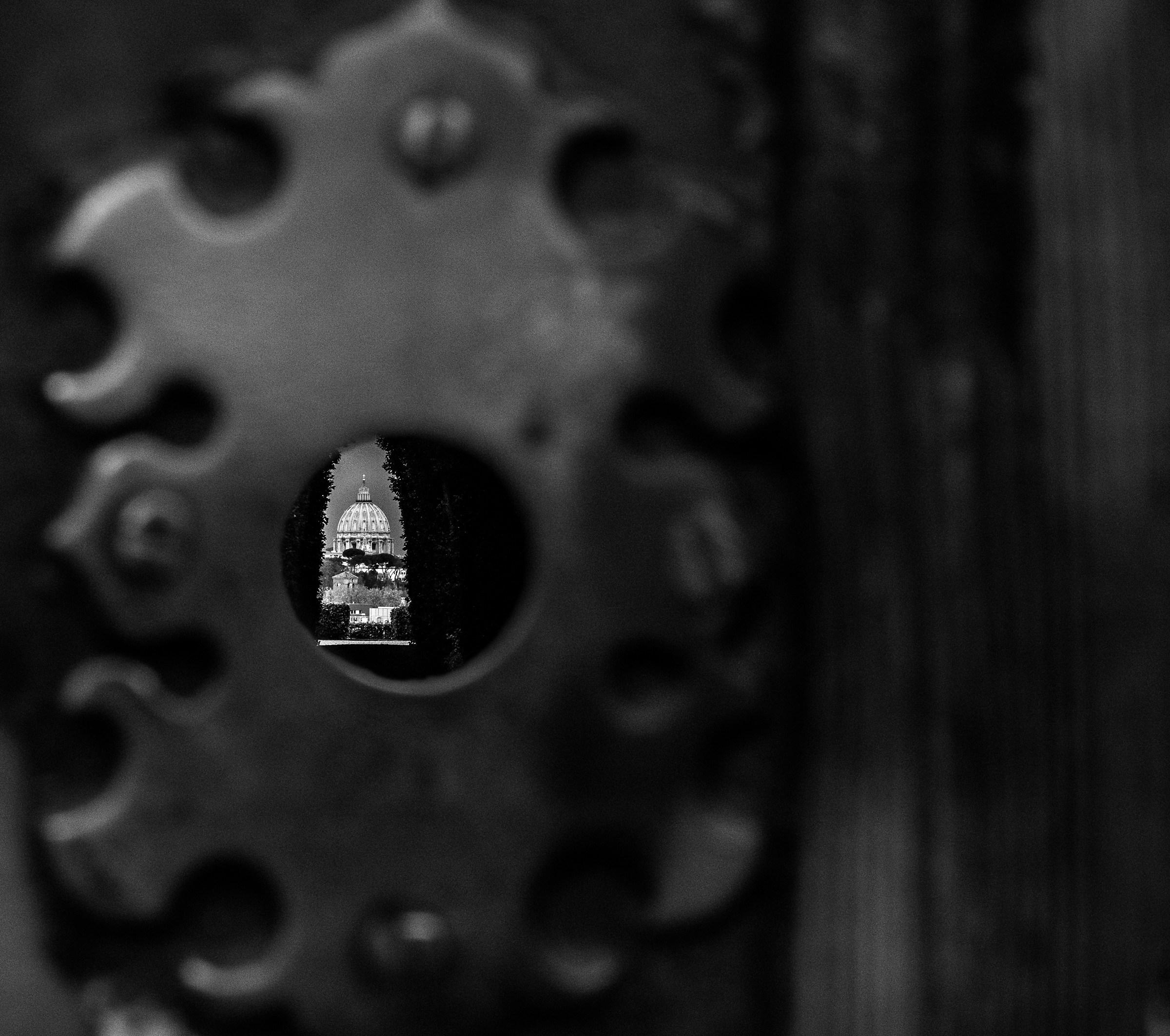 behind the door of the Murderdolls...