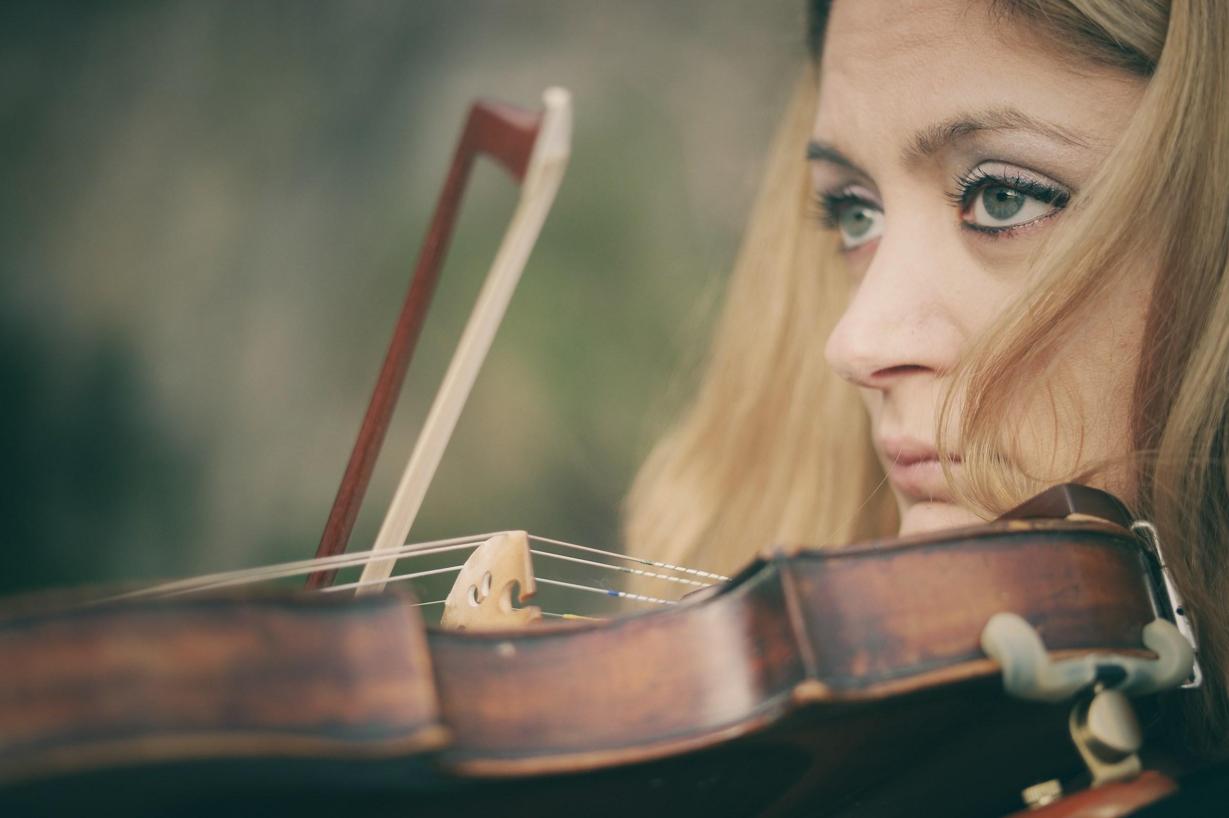 The violinist...