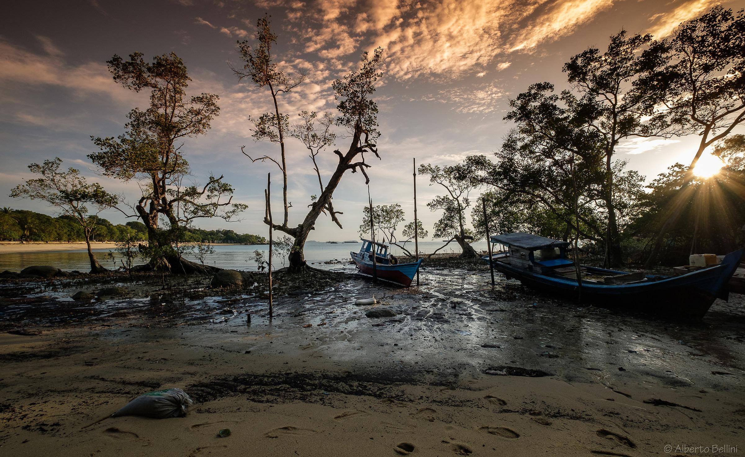 Pantai Pelawan Beach (Tanjun Balai Karimun - Indonesia)...