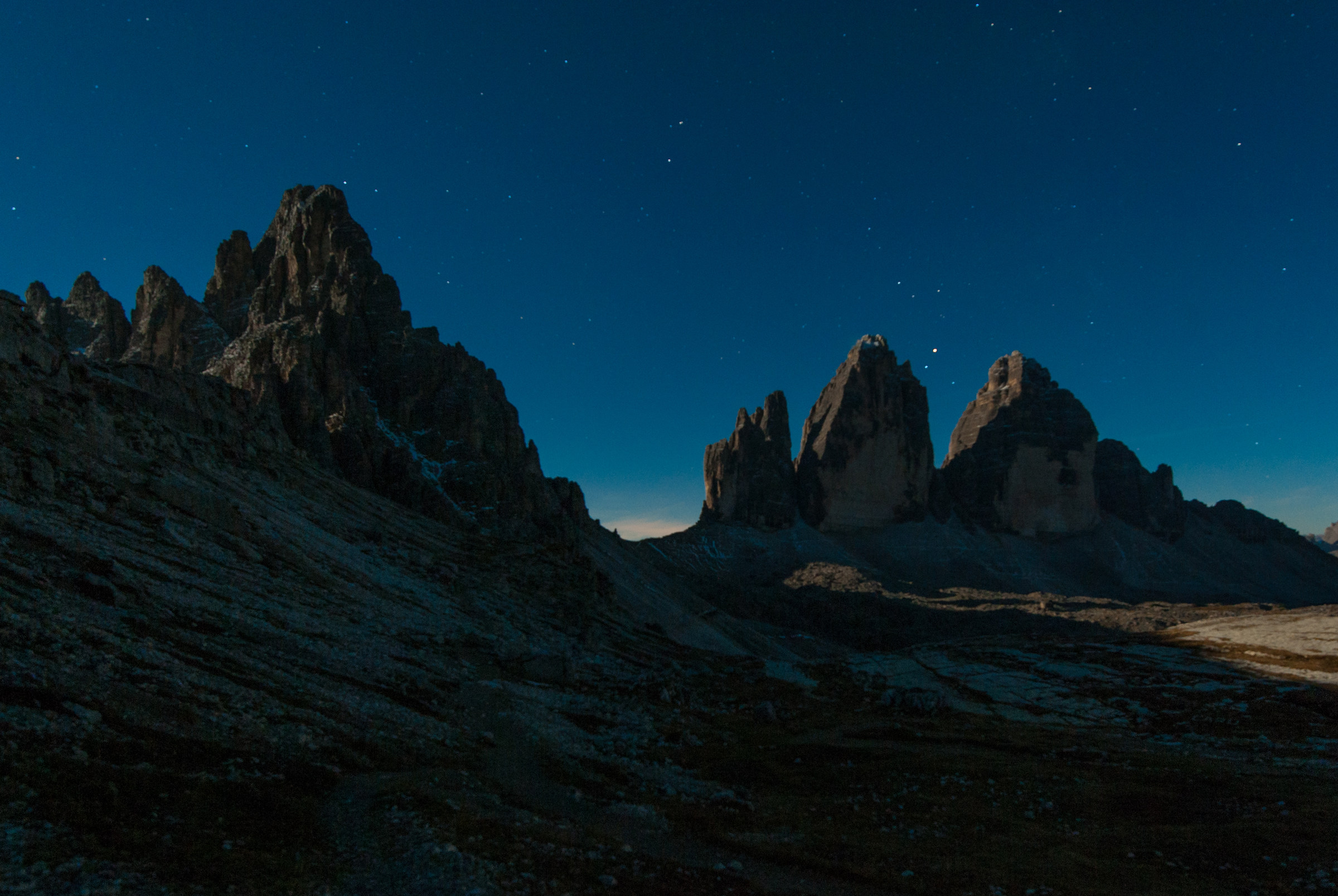 Notte di luna piena alle tre cime di Lavardo...
