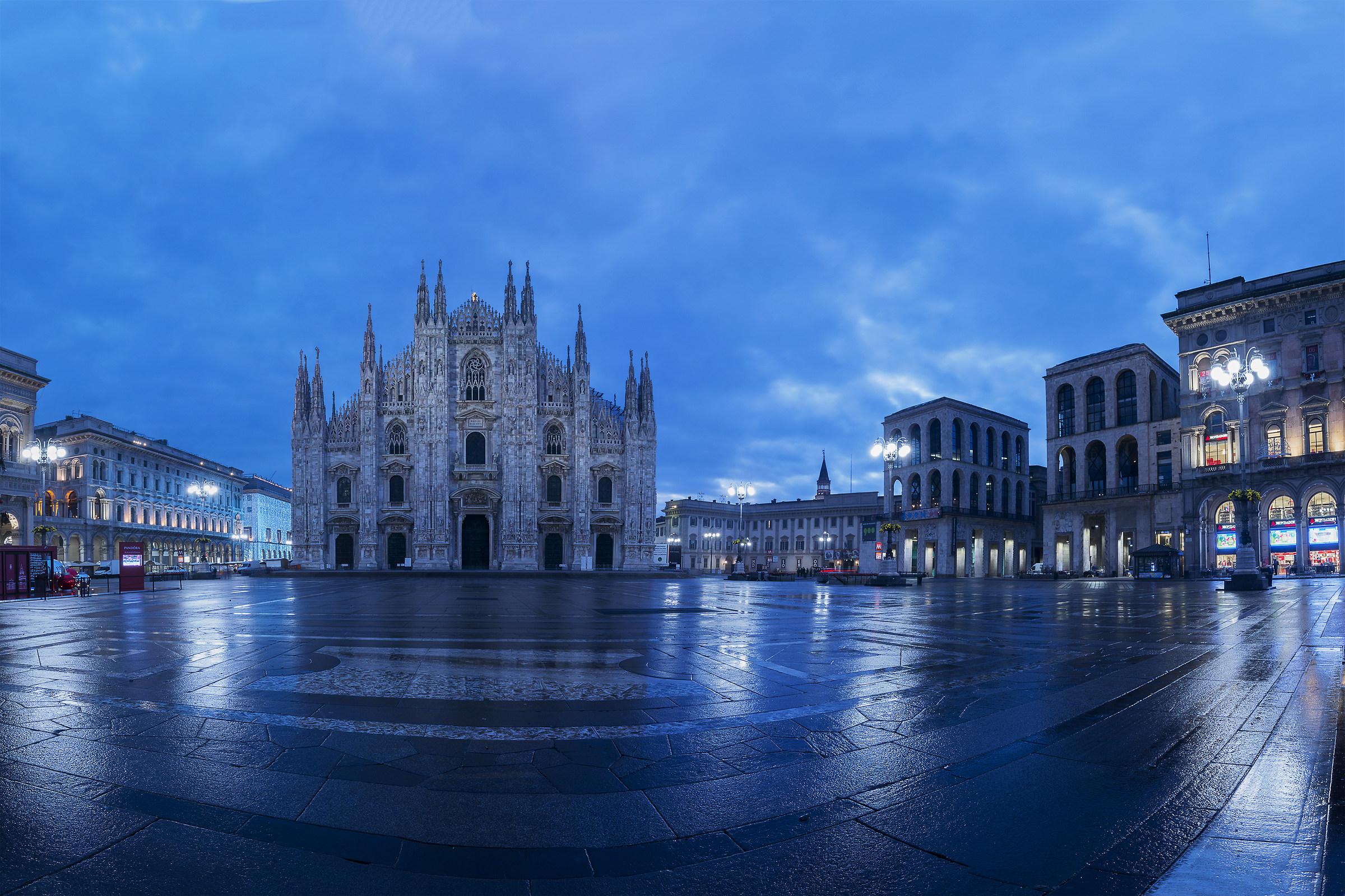 Alba a Milano...