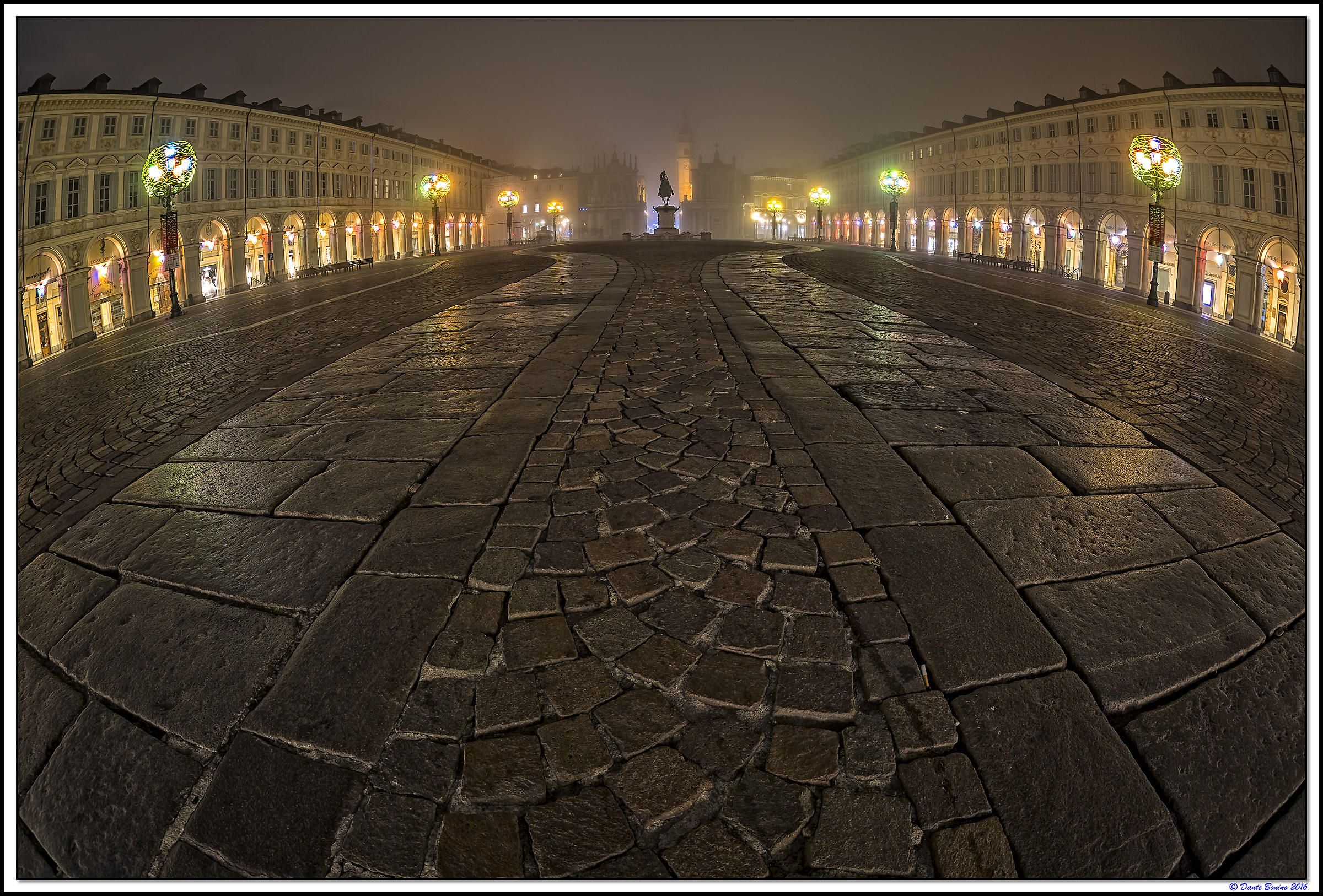 Piazza San Carlo, the fog and fisheye...