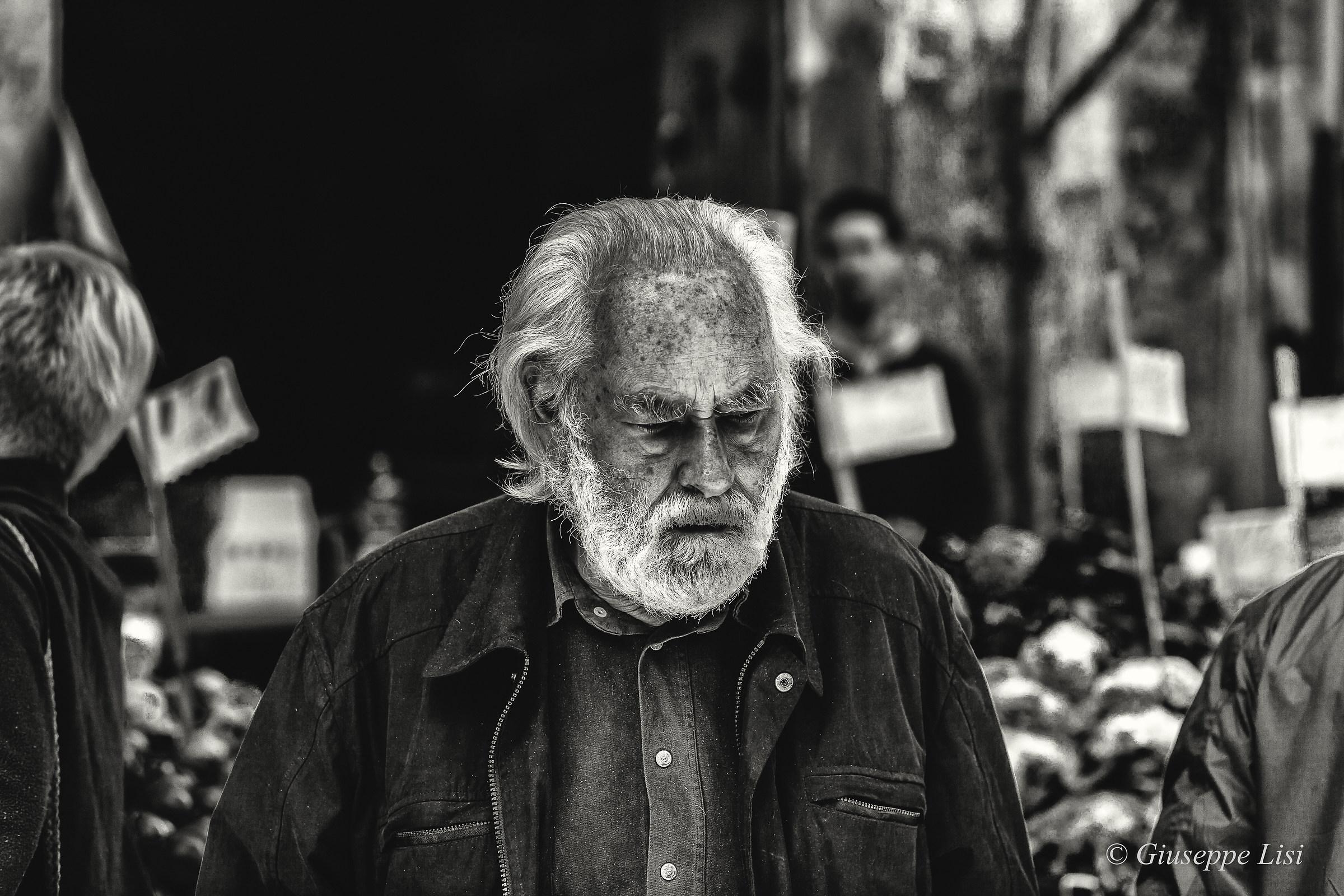 Un vecchio bianco per antico pelo...
