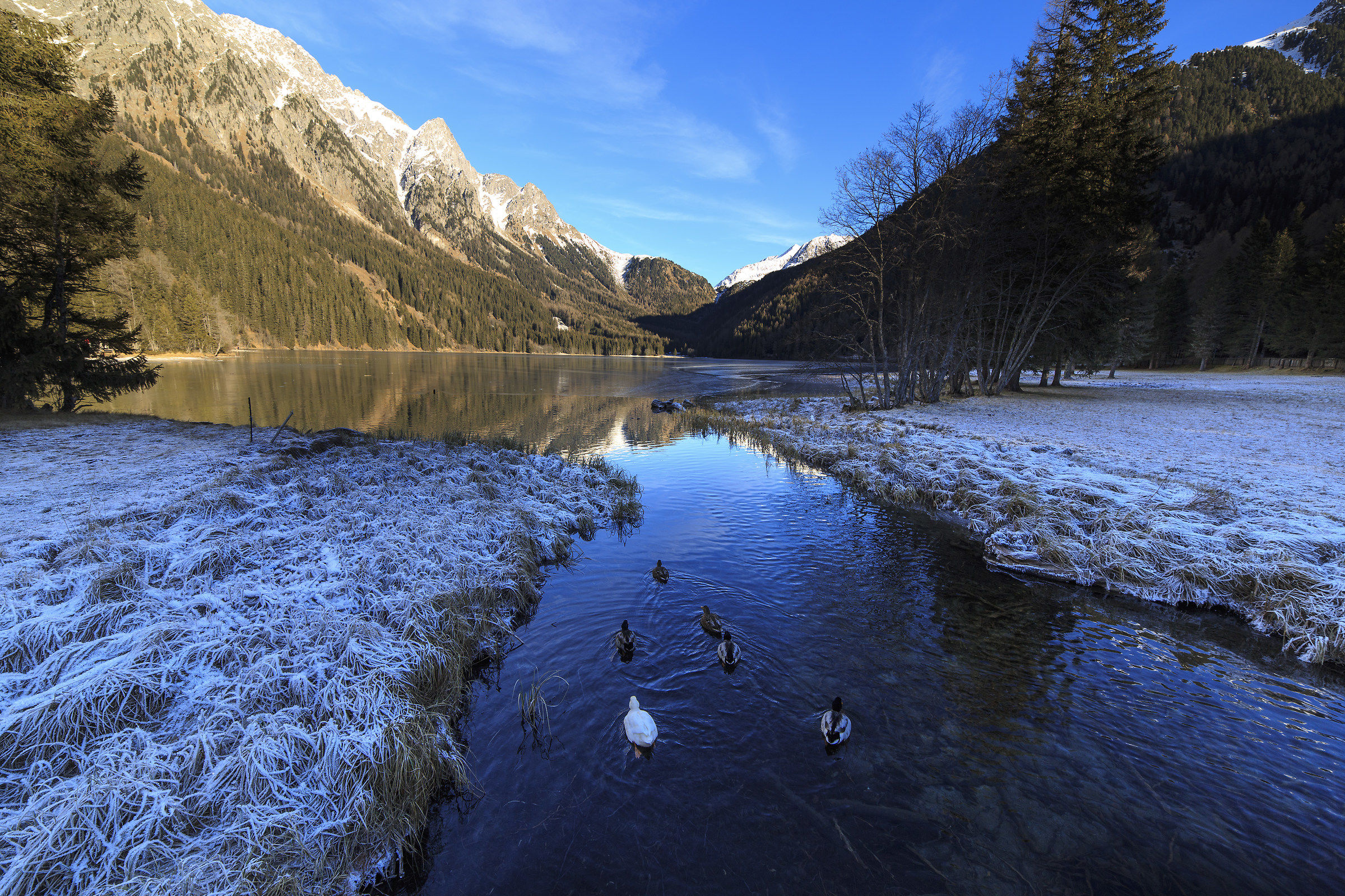 The frozen lake of Anterselva...