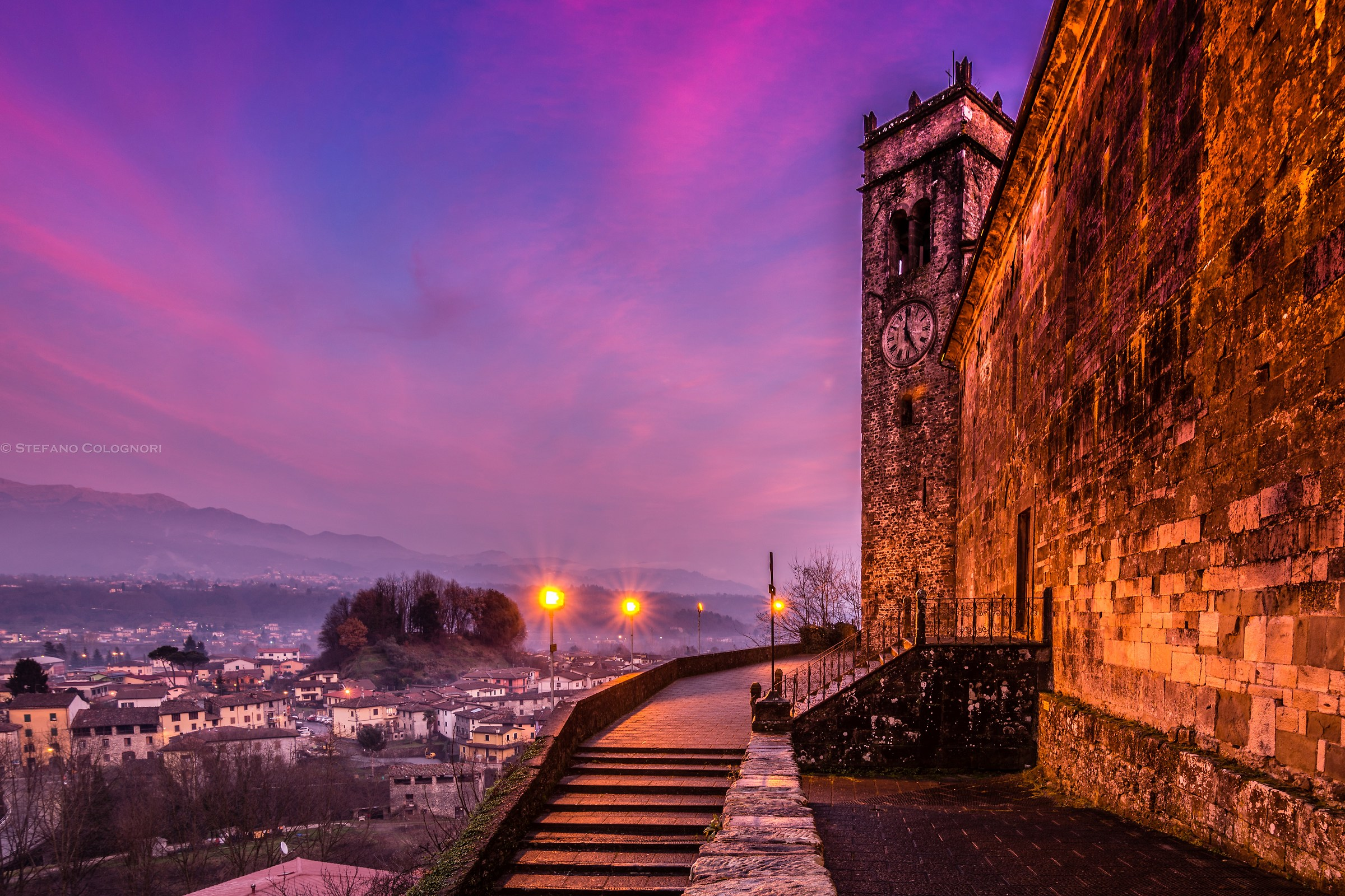 Purple sky on Gallicano...