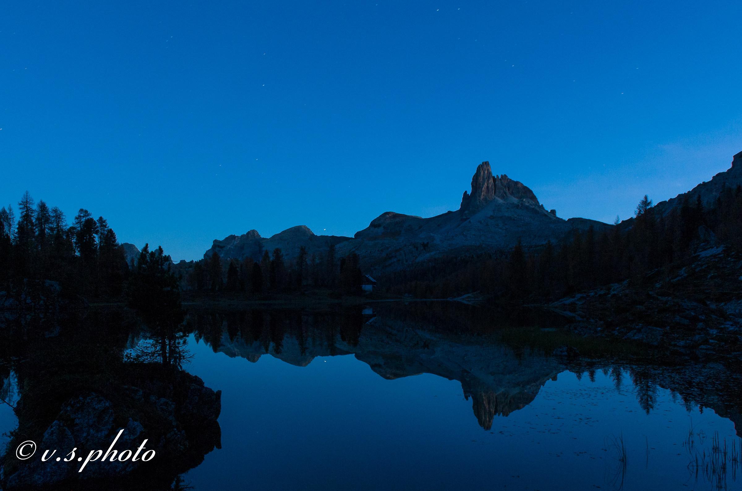 Lago federa con becco mezzodi, dopo il tramonto....
