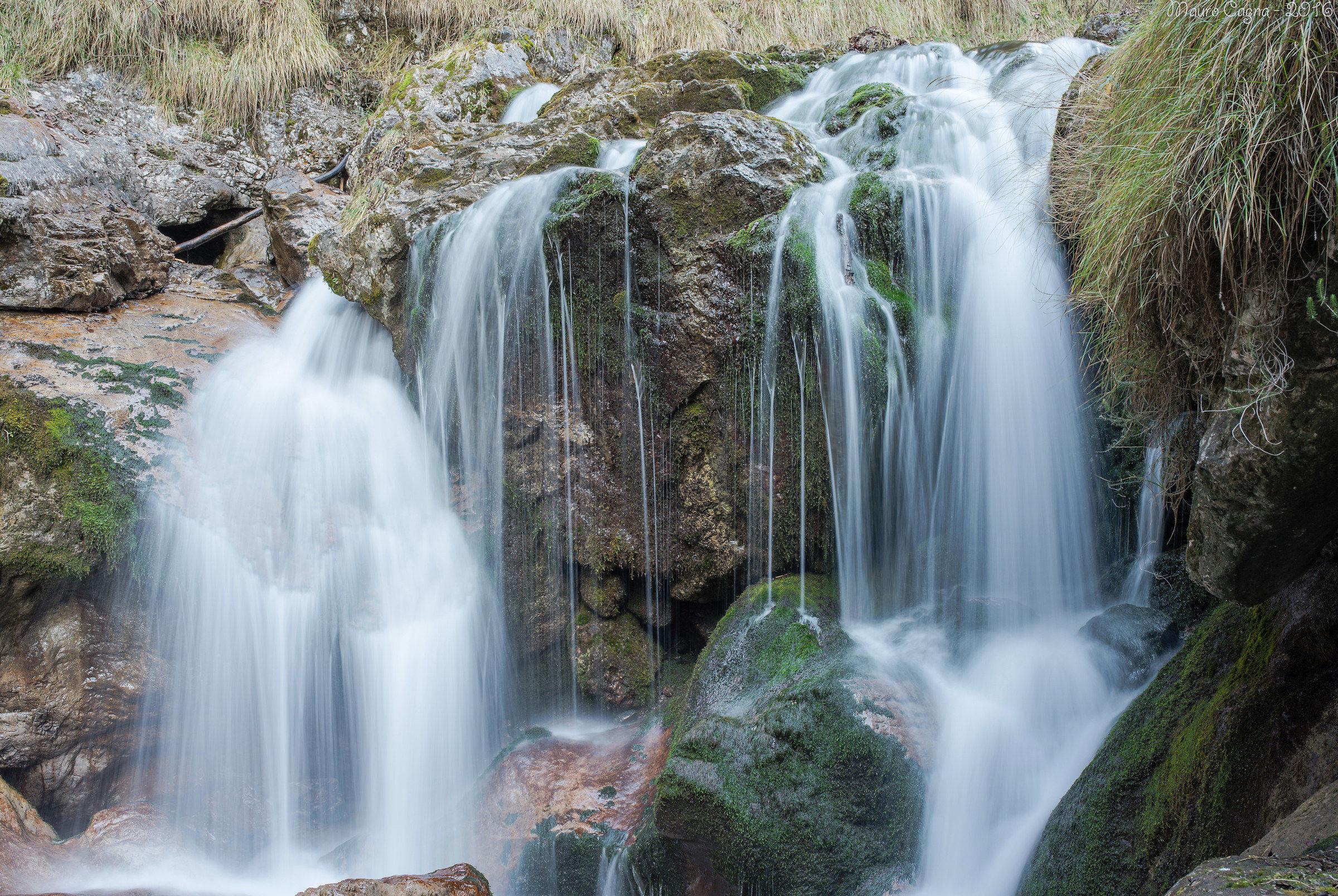 Dettaglio cascata in Val Vertova...
