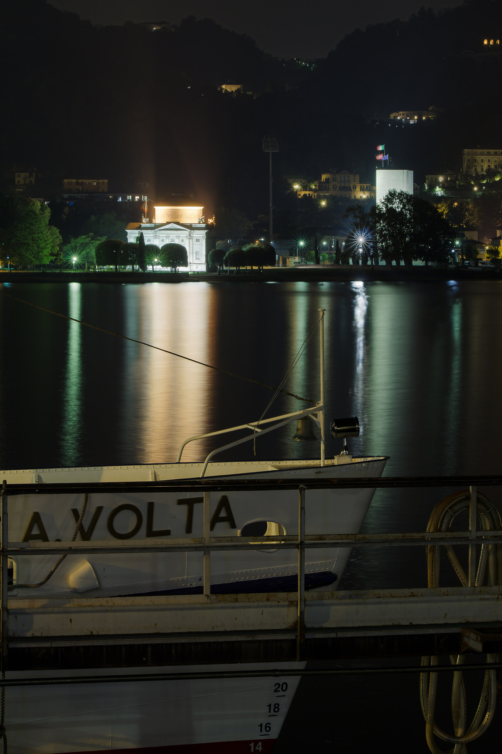 Volta Temple, and Boat, Como...