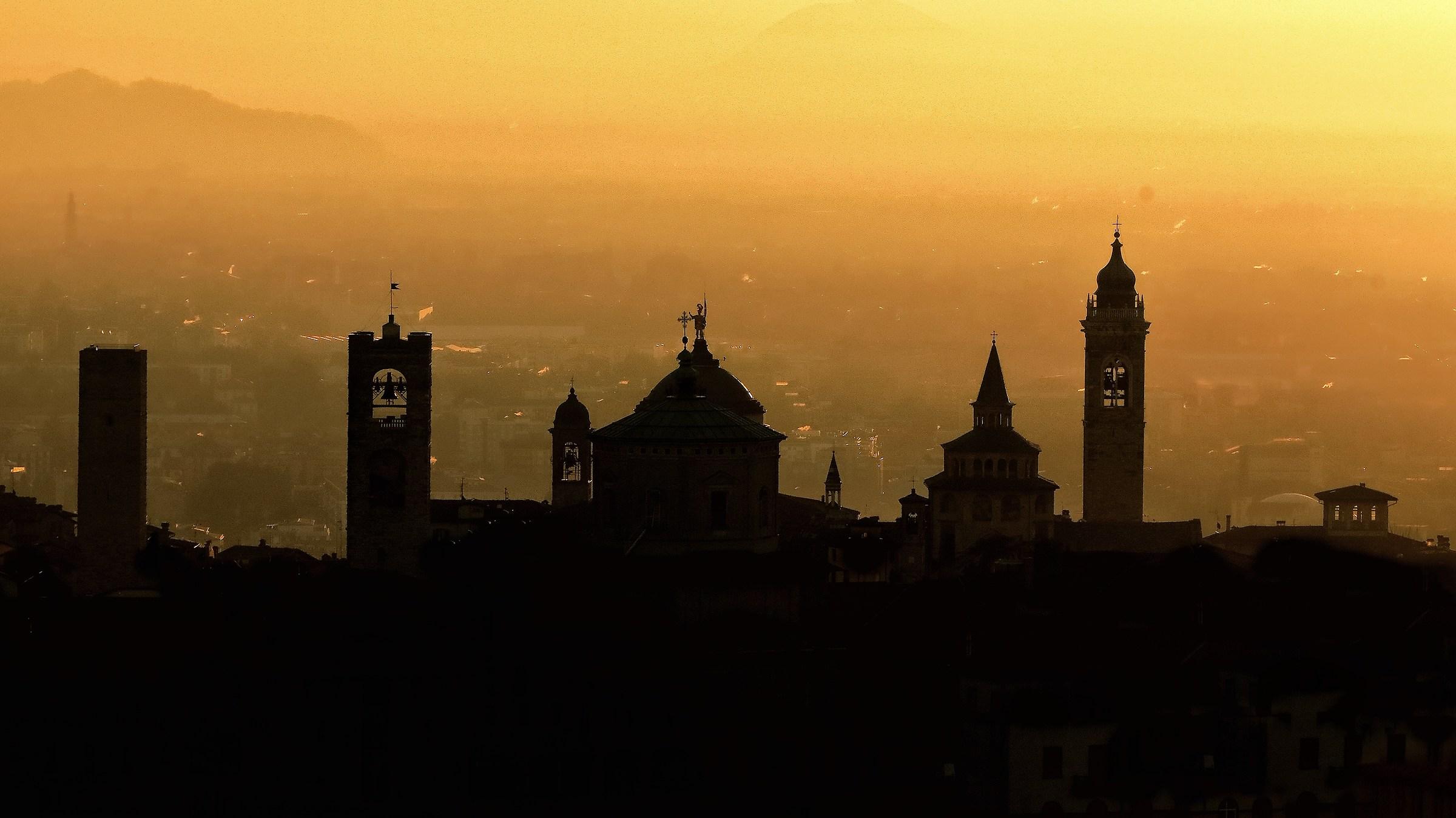 Bergamo Alta silhouette...