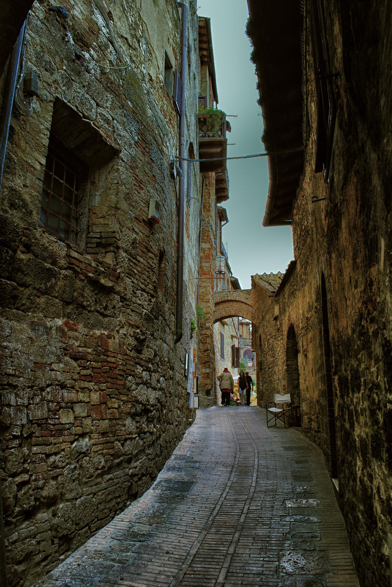The long, narrow street ......
