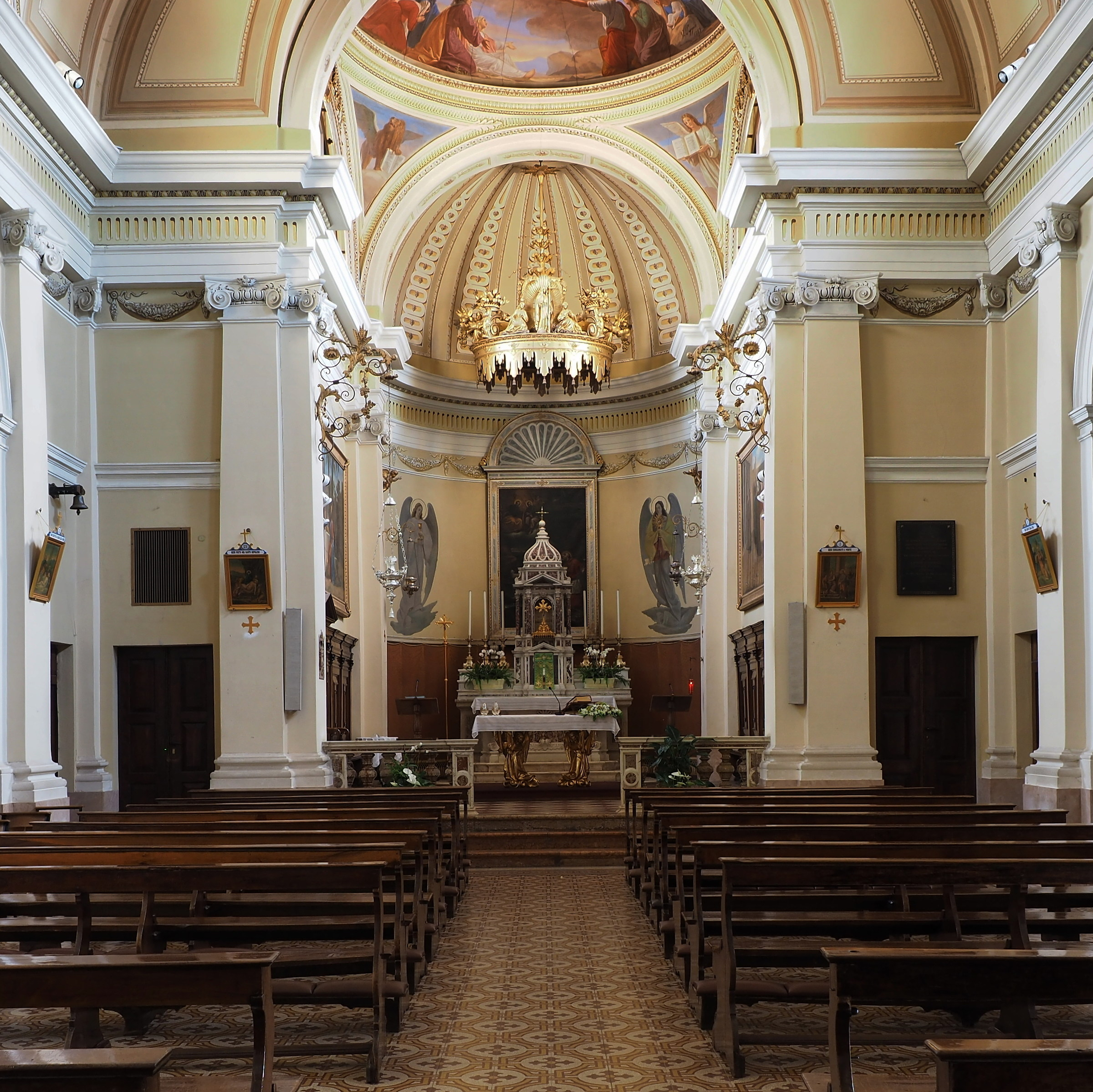 Parish: Altar...