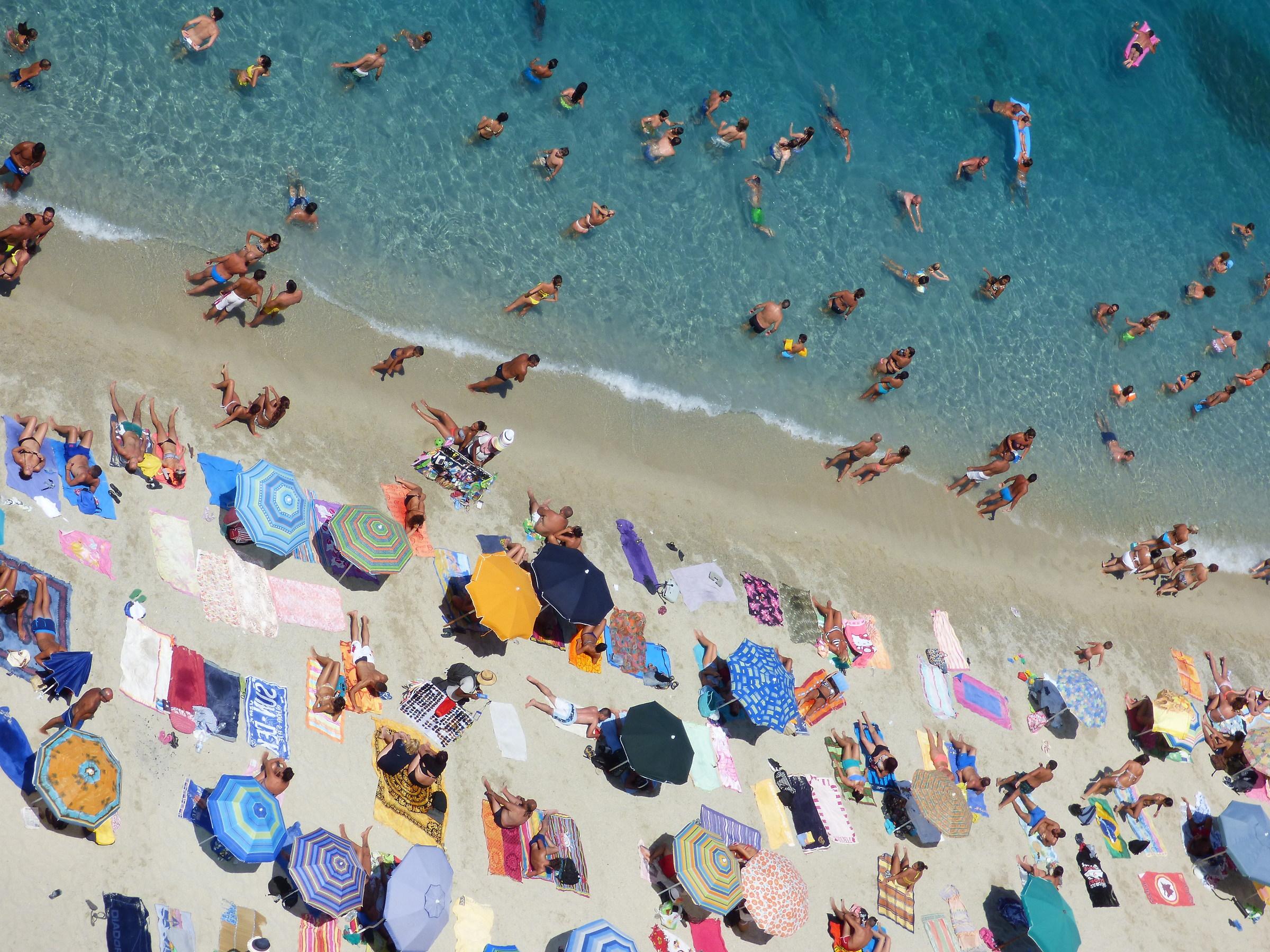 Persone in spiaggia - Mare di Tropea...
