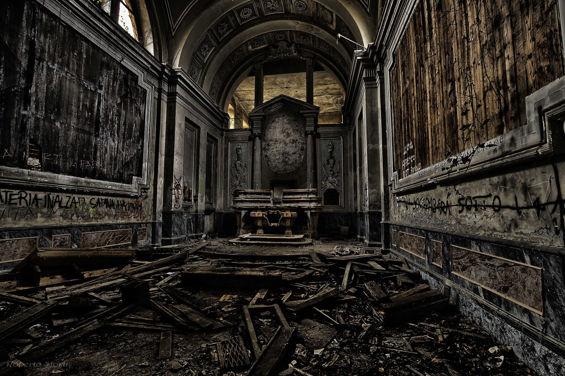 Chiesa villa M....