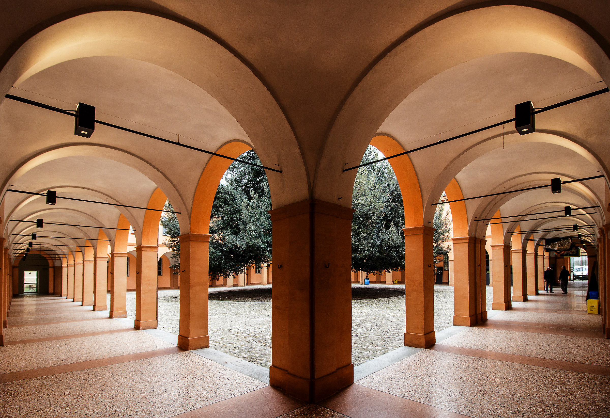 Modena - the holm Courtyard...