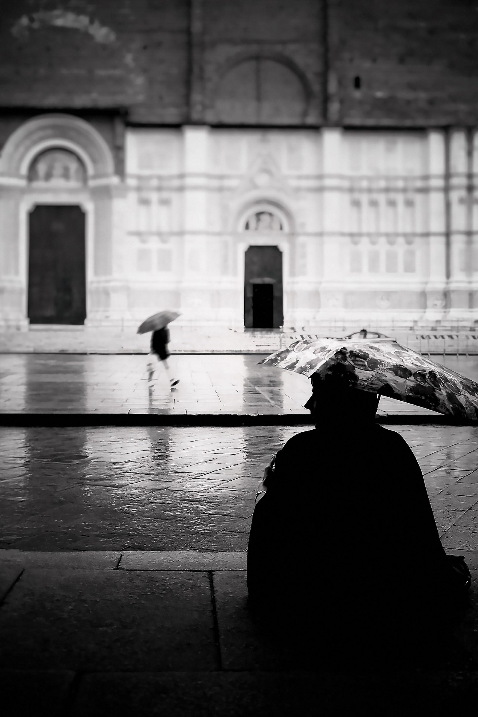 Cade la pioggia...