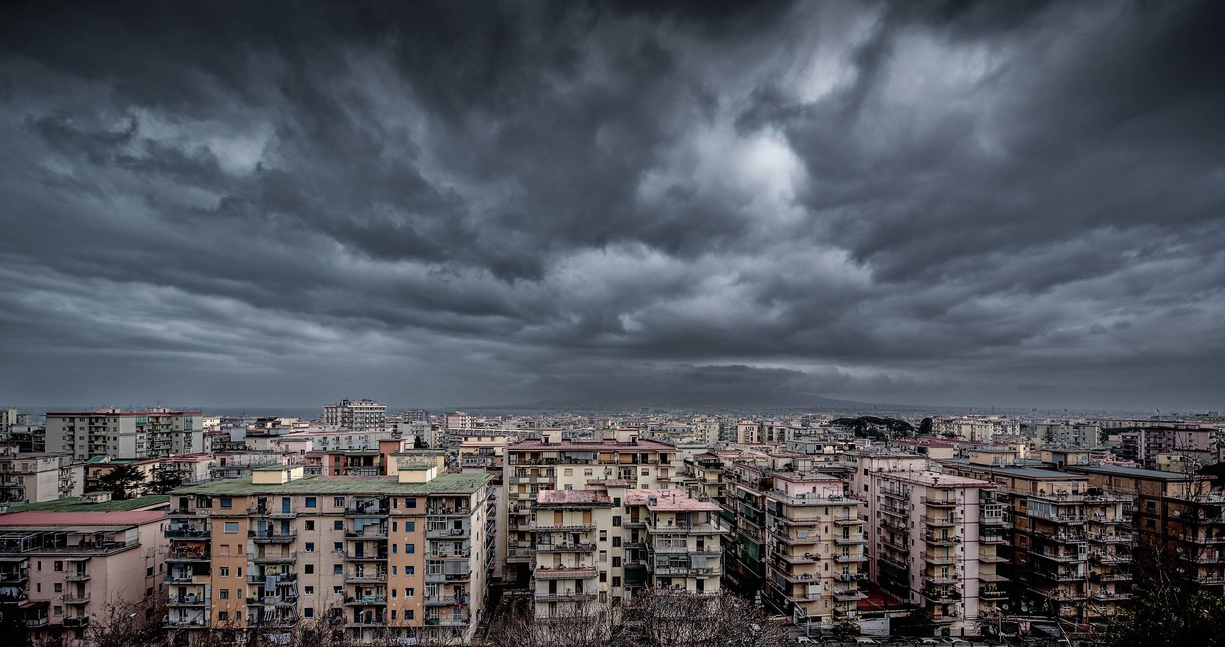 Air gloomy and black...