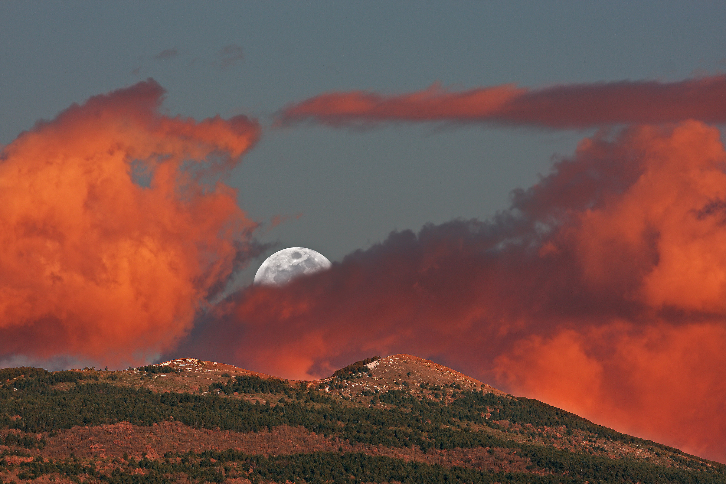 Moon and clouds at sunset...