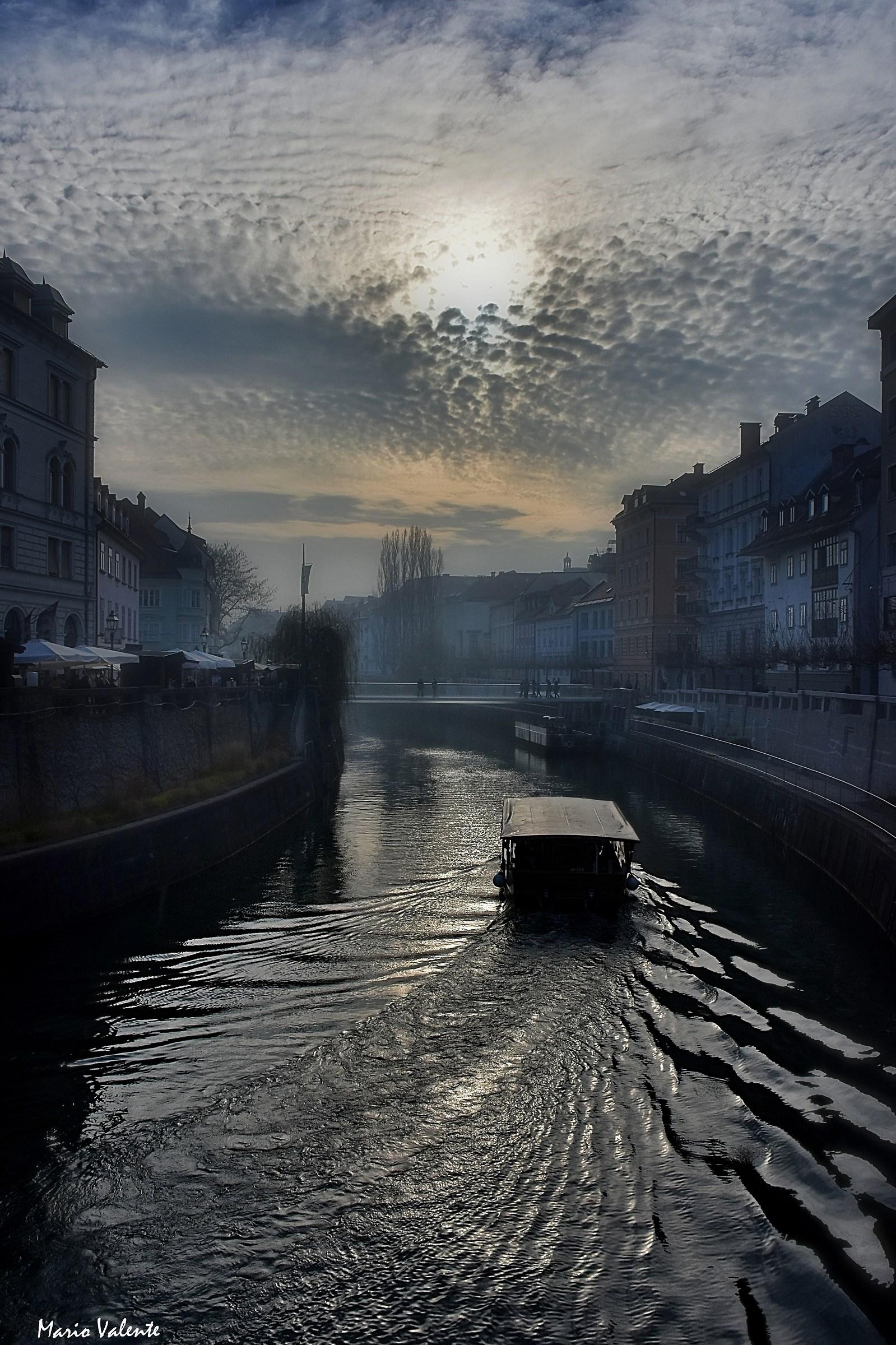 Fredda luce invernale sul fiume Ljubljanica...