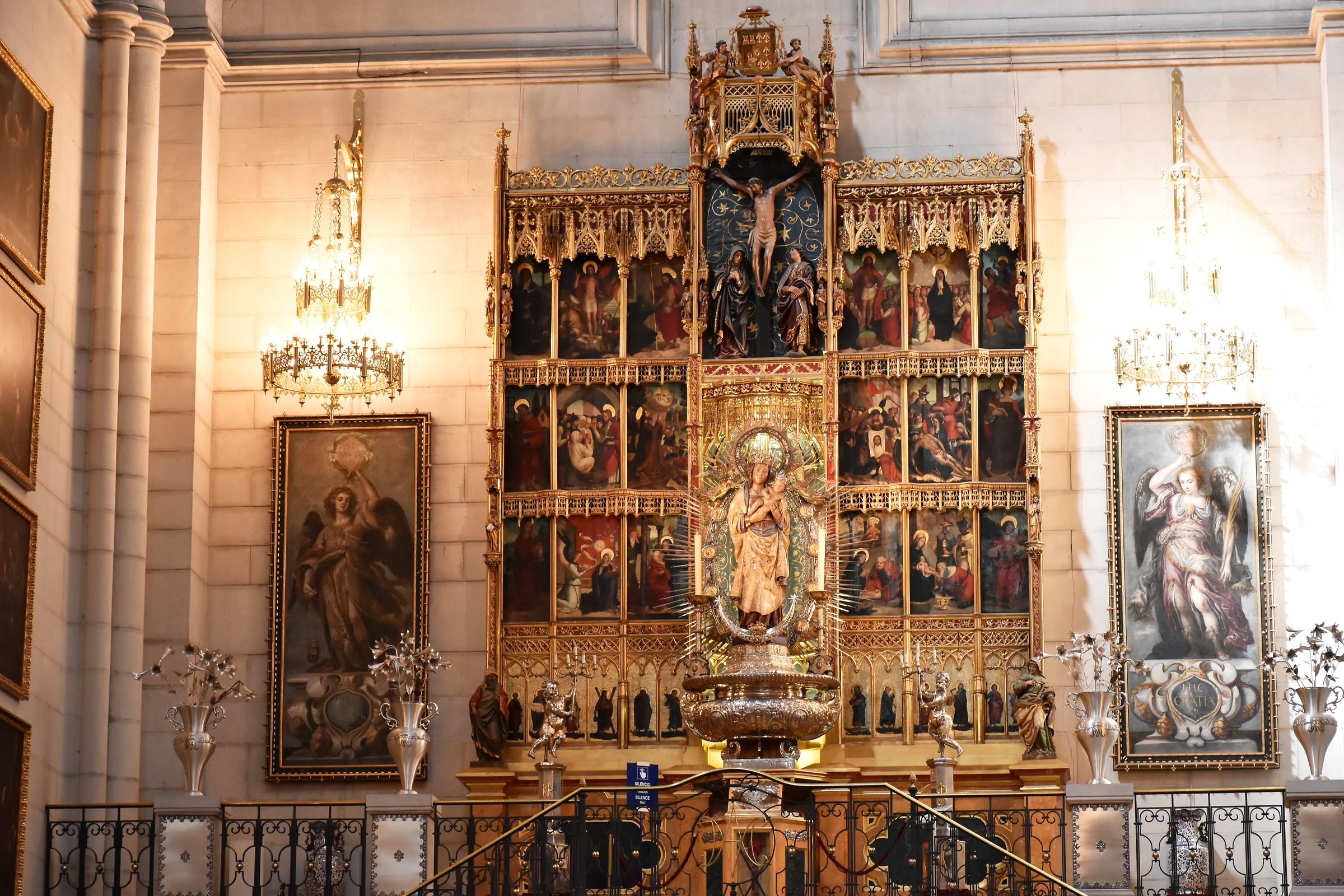 Altar Cathedral of the Virgin de la almudena...