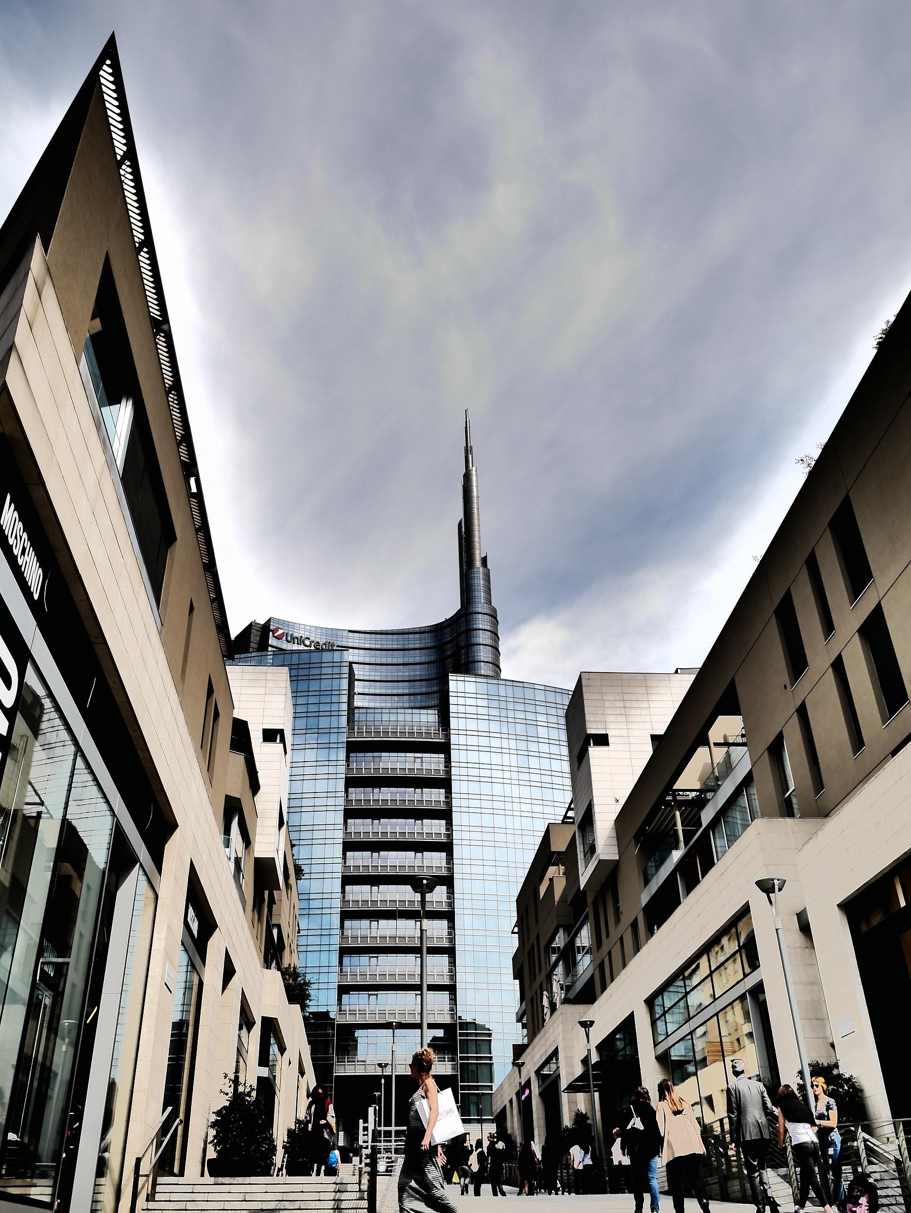 Palazzo Unicredit 2...