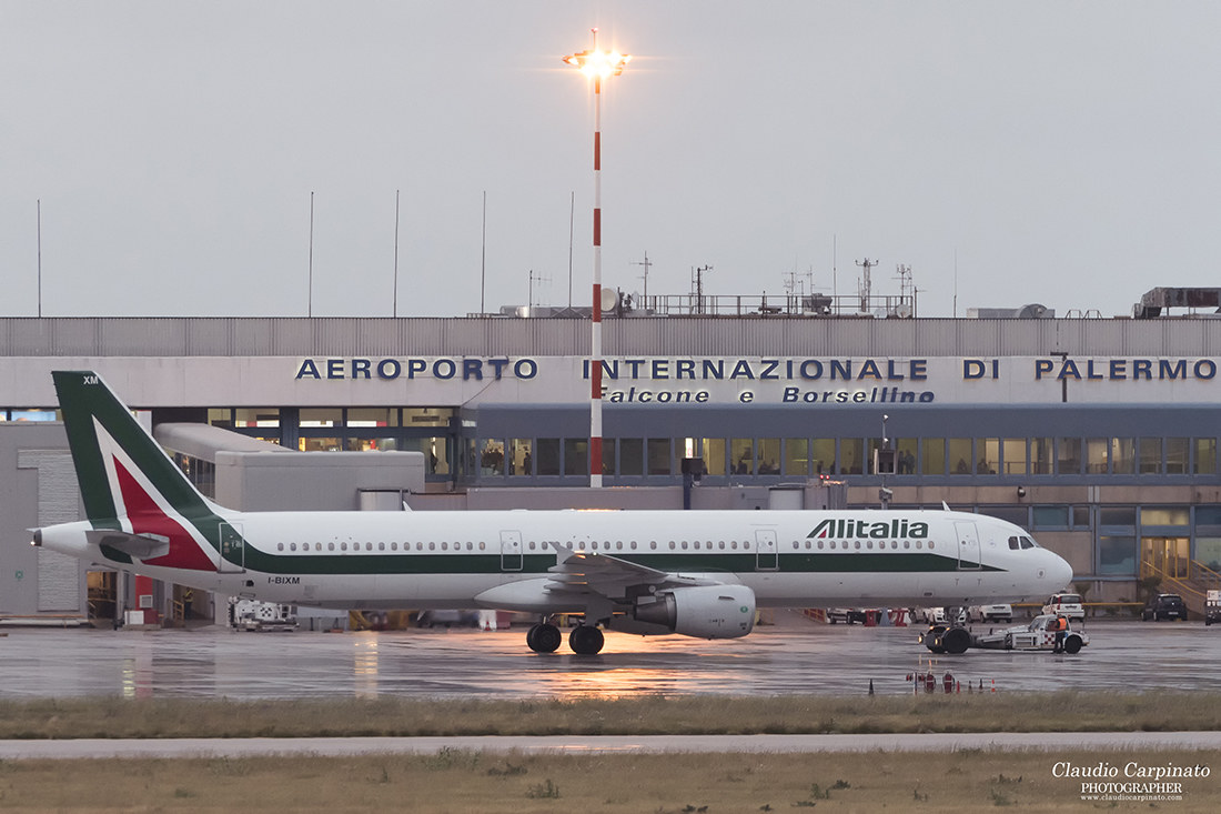 Alitalia - Airbus 321...