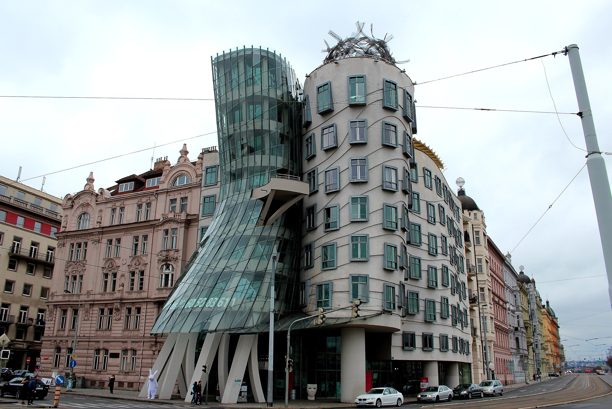 Sinuosity in Prague...