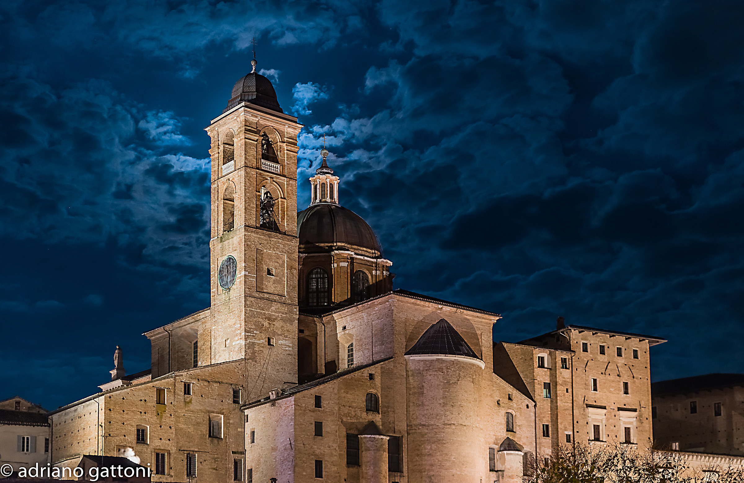 The sky above ... Urbino!...