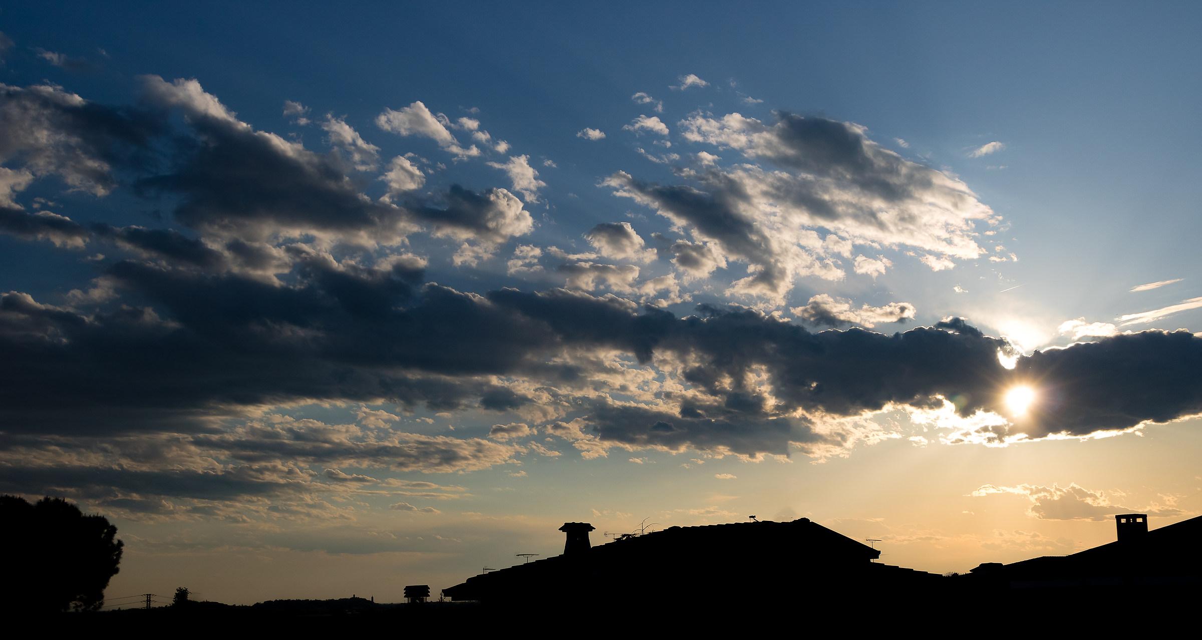 Dietro le nuvole...