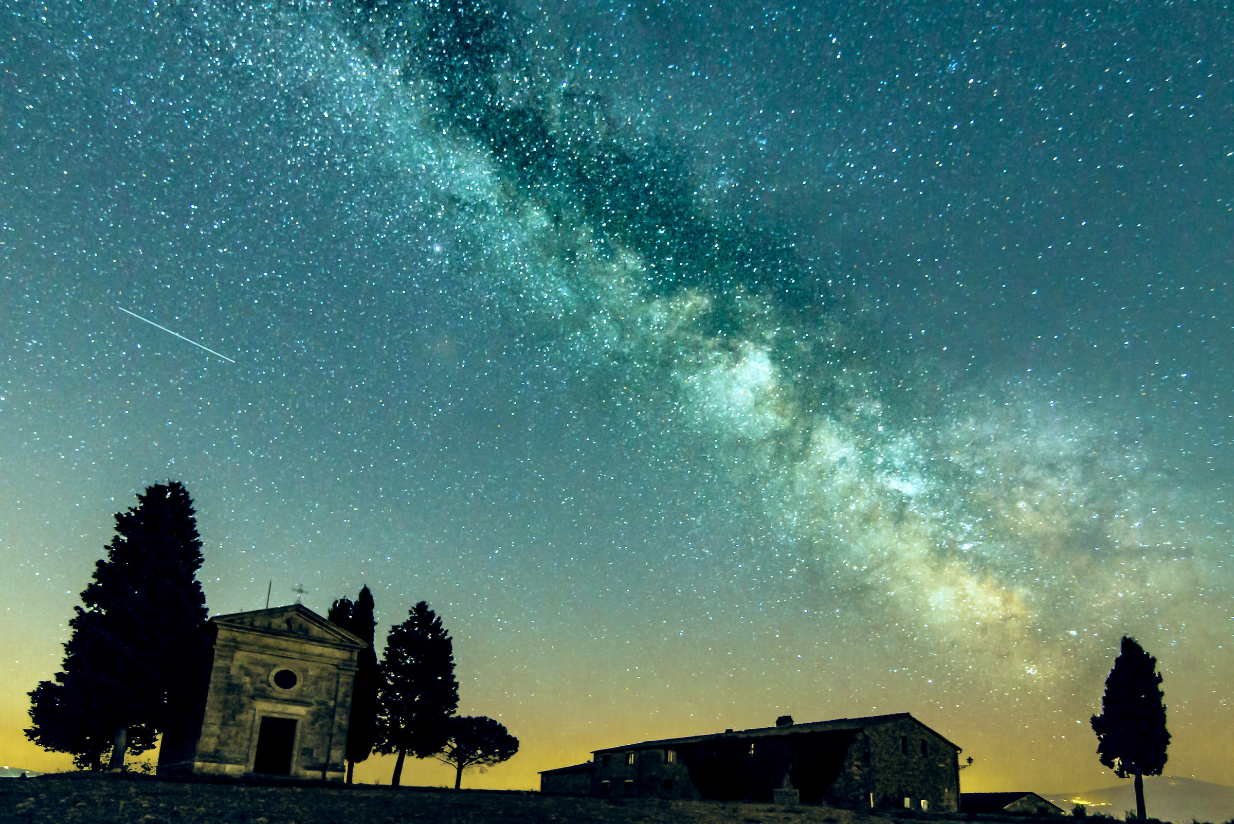 Milky way over chapel vitaleta...