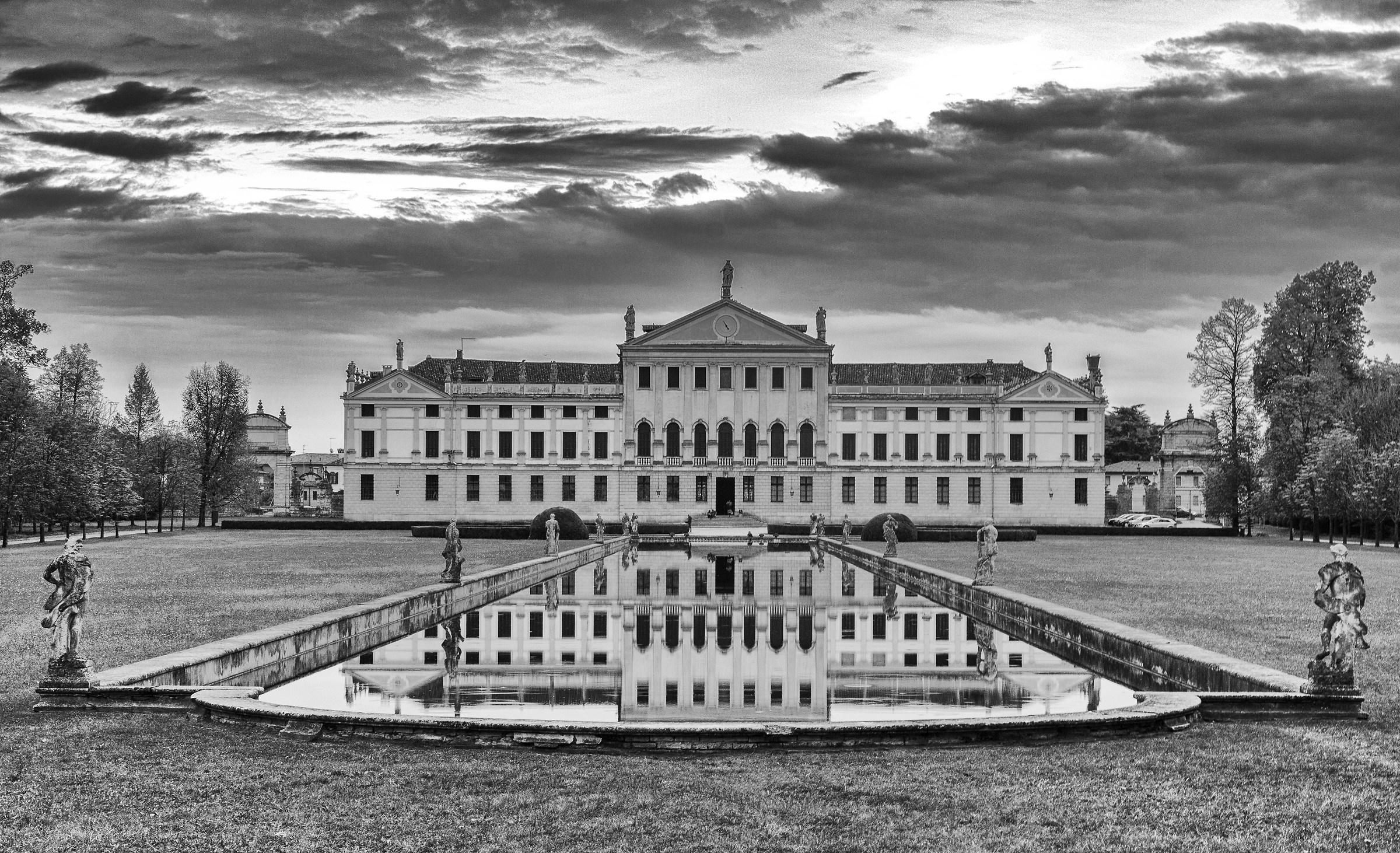 Villa Pisani...
