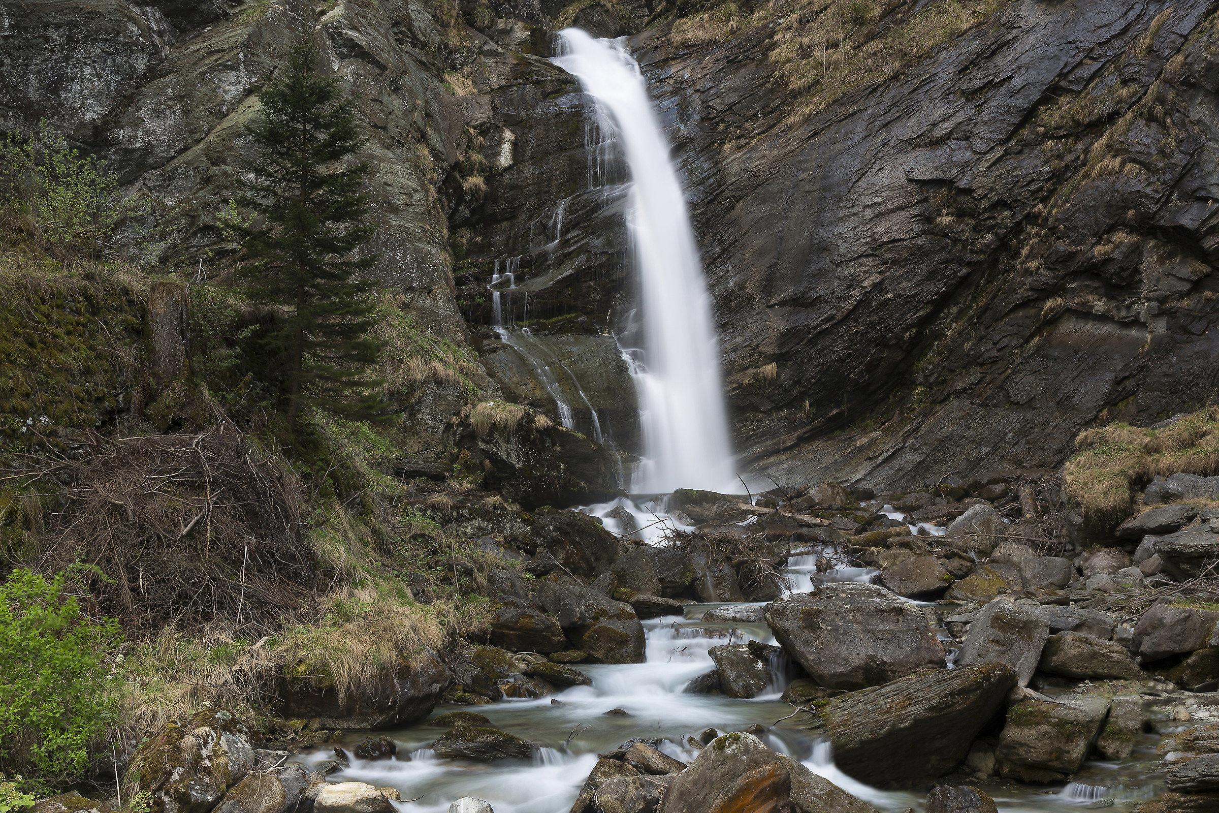 Waterfall of Otro (Valsesia)...