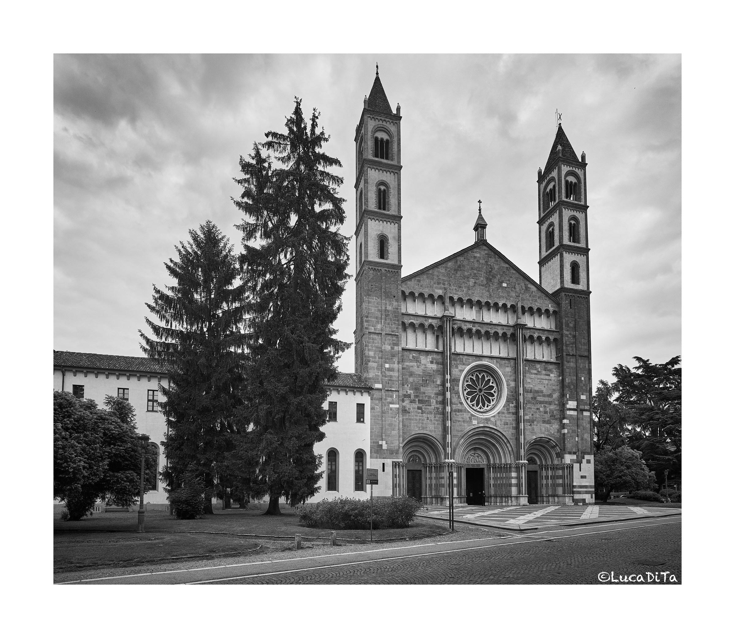 Basilica of Sant Andrea (Vercelli)...