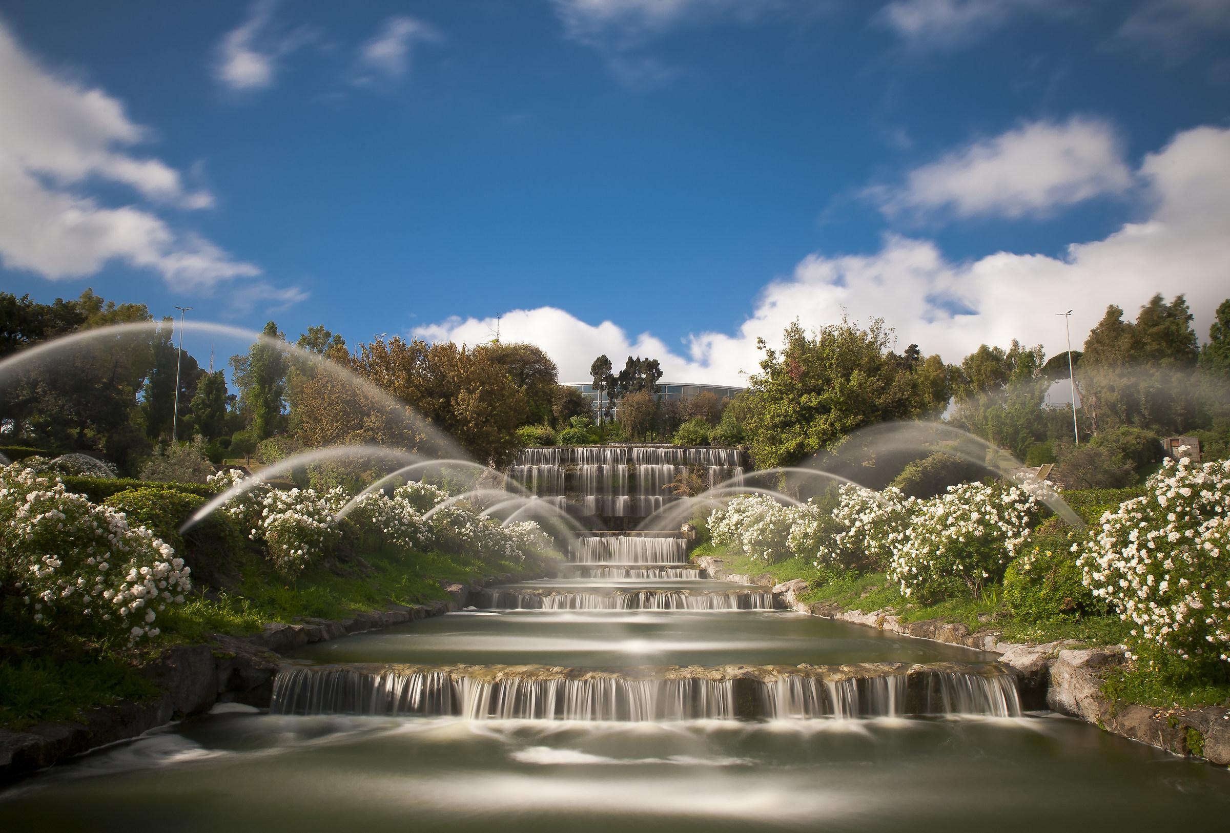 Giardino della cascate al laghetto dell'Eur...