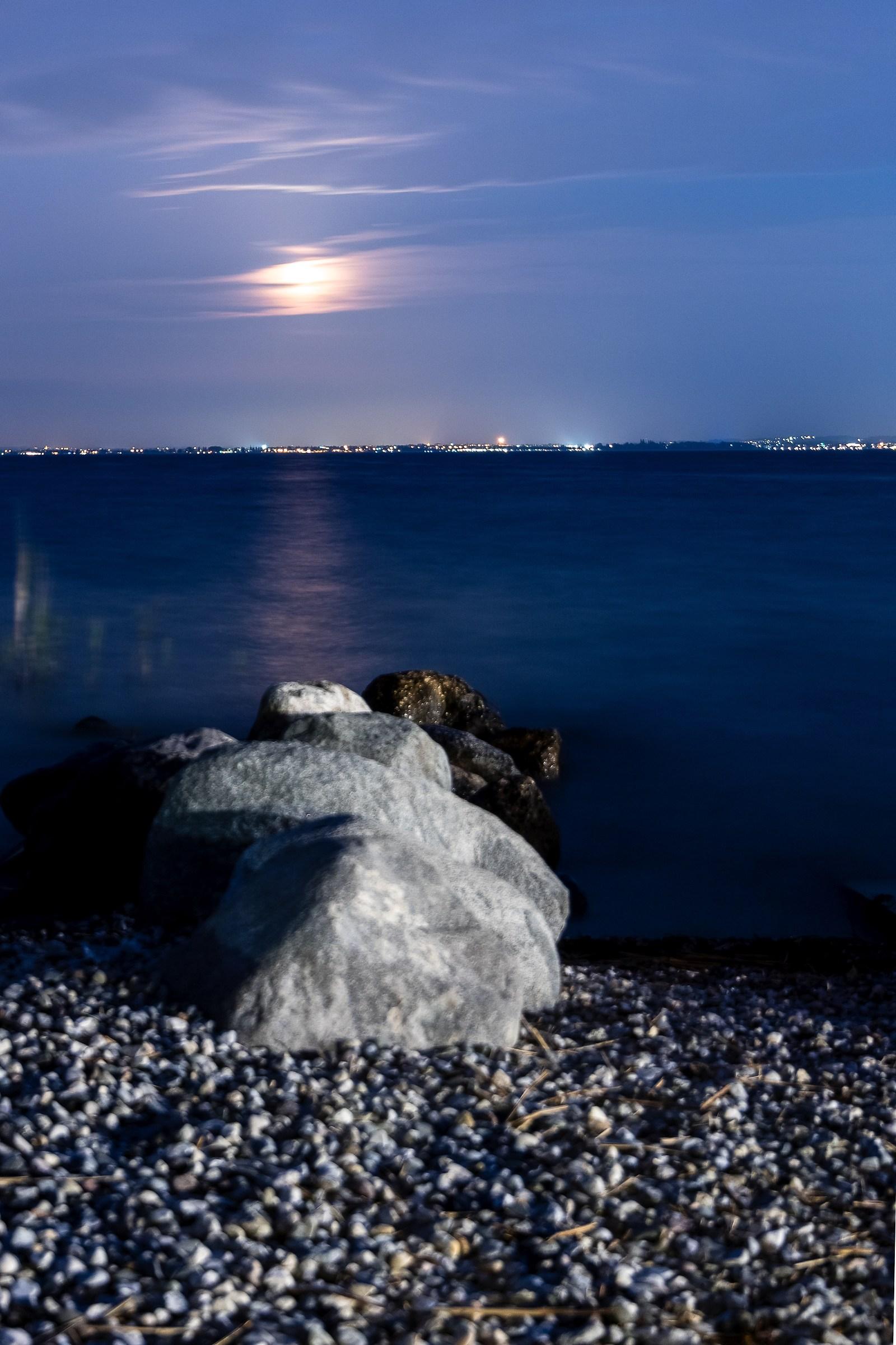 Au claire de la lune...
